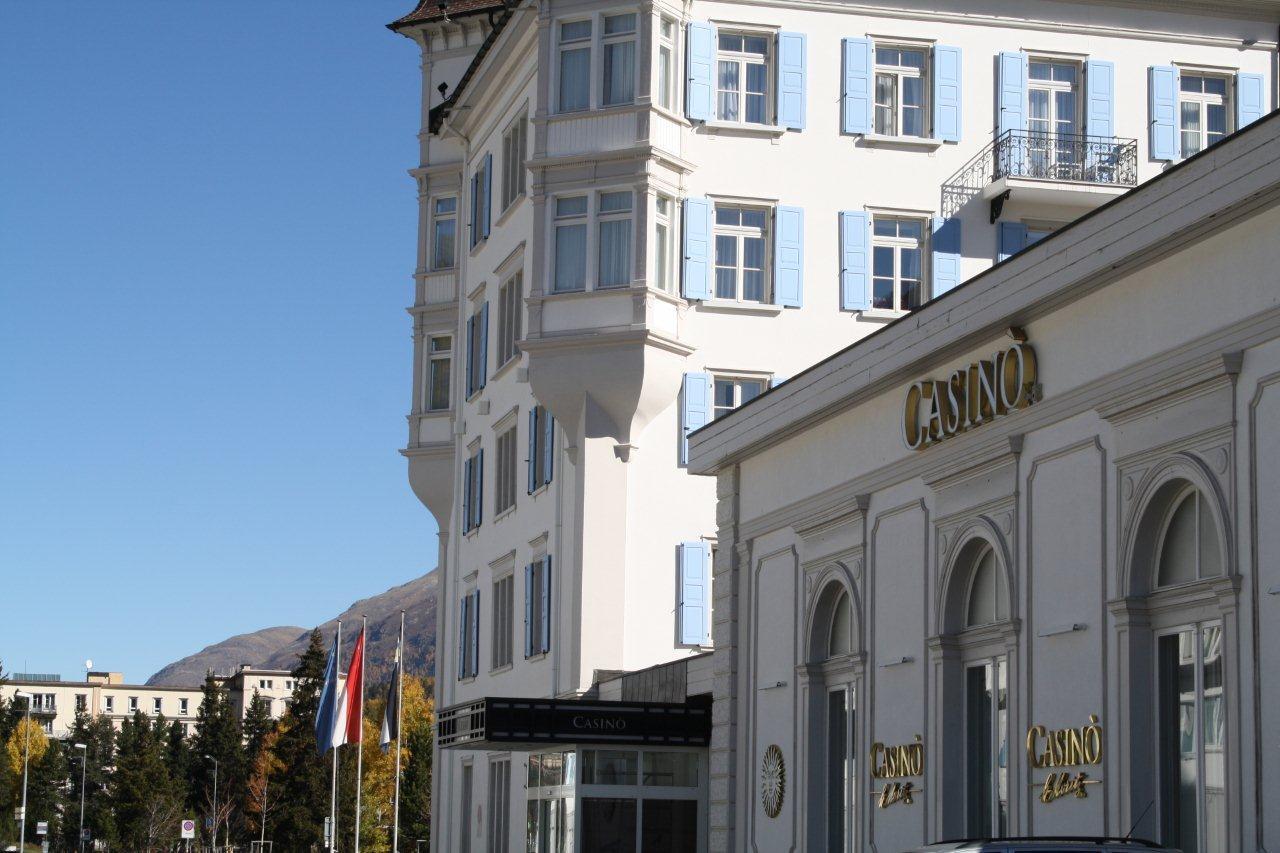 Ivory Ball Lounge Bar im Casino St. Moritz Slide 3