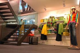 United Colors of Benetton Slide 1