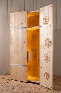 Möbelkollektion Ramon Zangger GmbH Slide 3