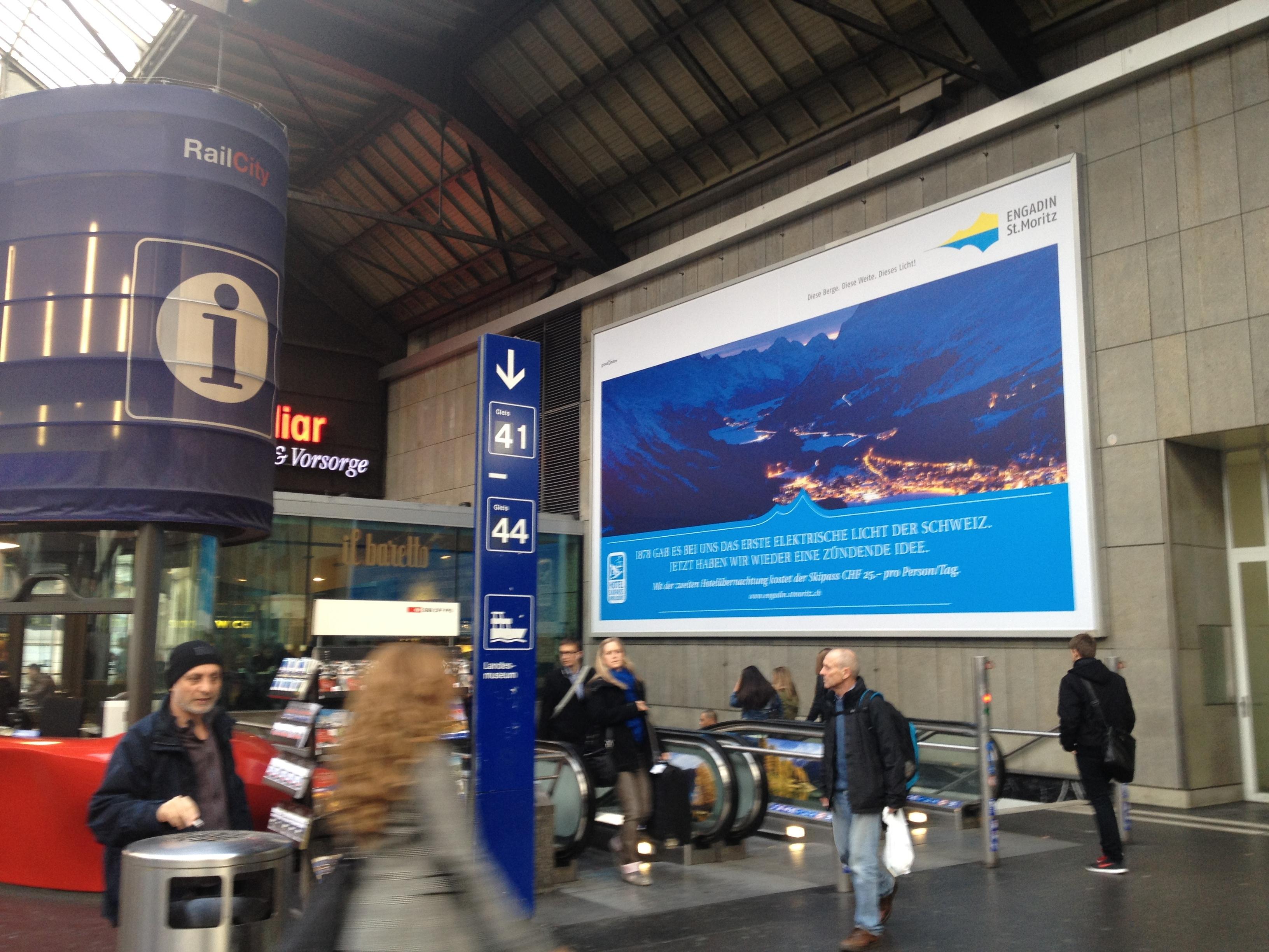 Big Poster Hauptbahnhof Zürich Slide 1
