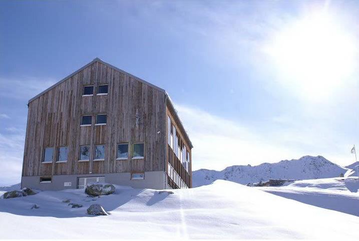 Kesch Hütte SAC Slide 3