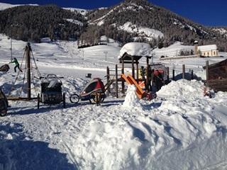 Kinderspielplatz Skilift Survih Slide 1