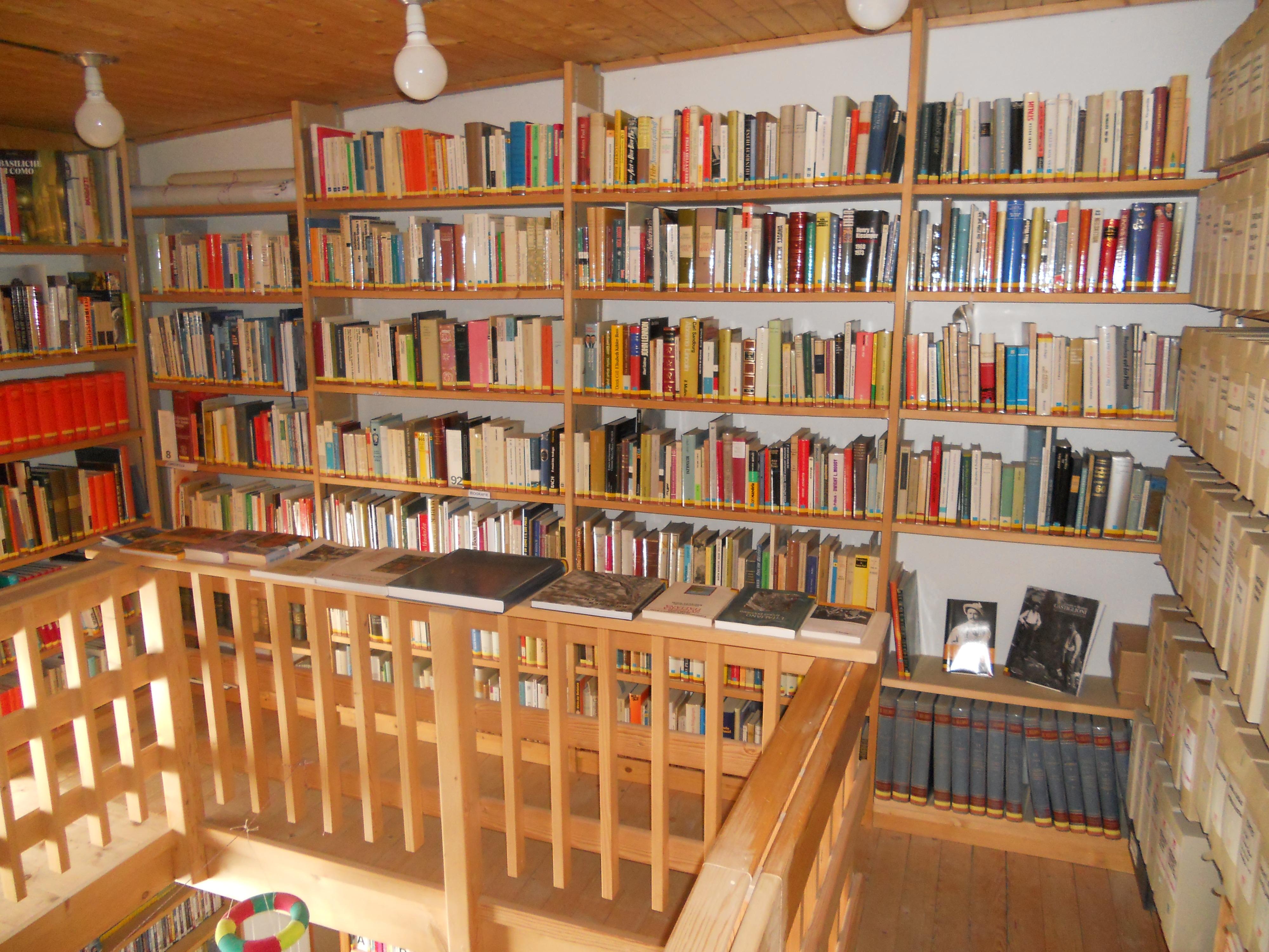 Biblioteca Publicca, Maloja Slide 3