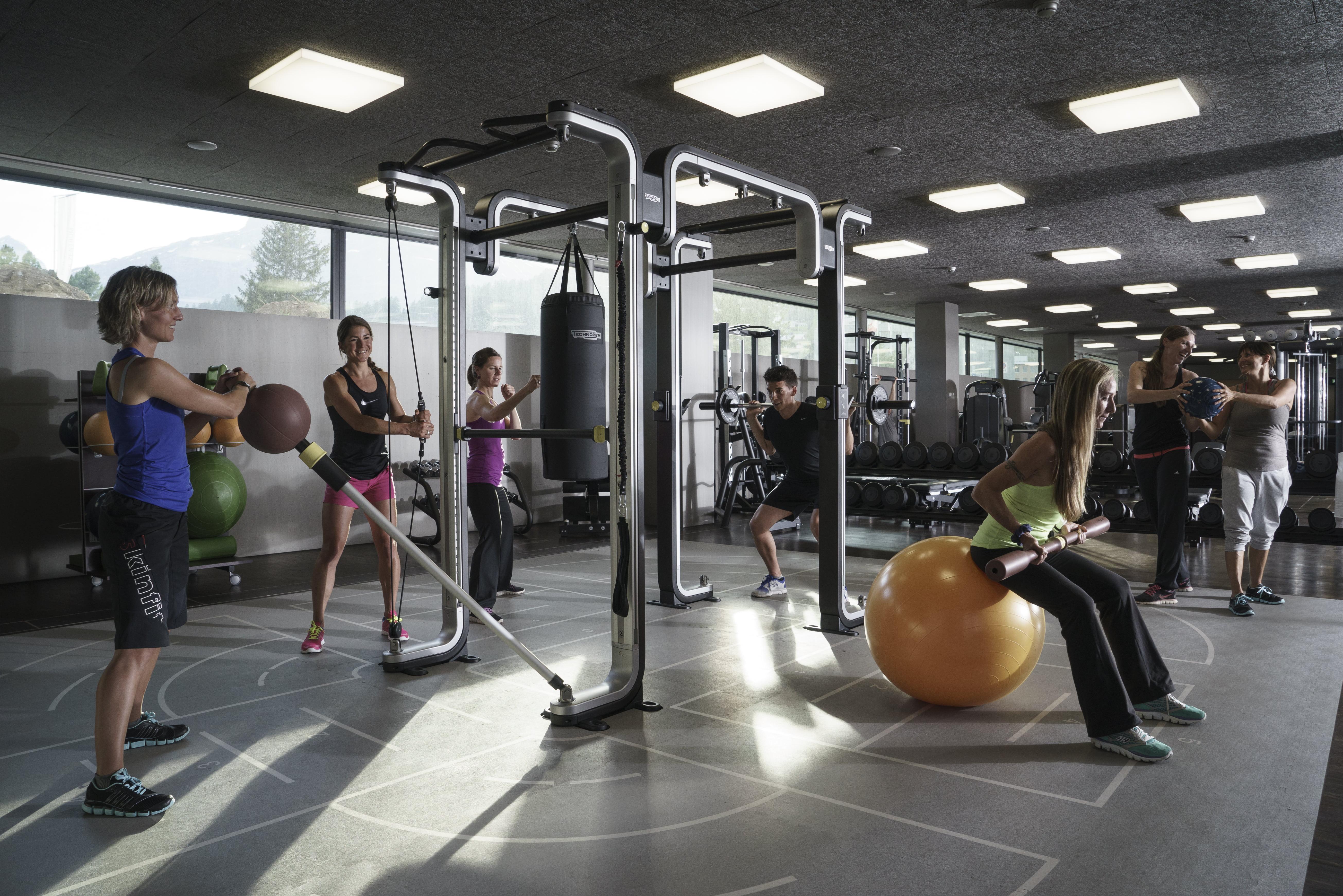 Update Fitness, St. Moritz Bad