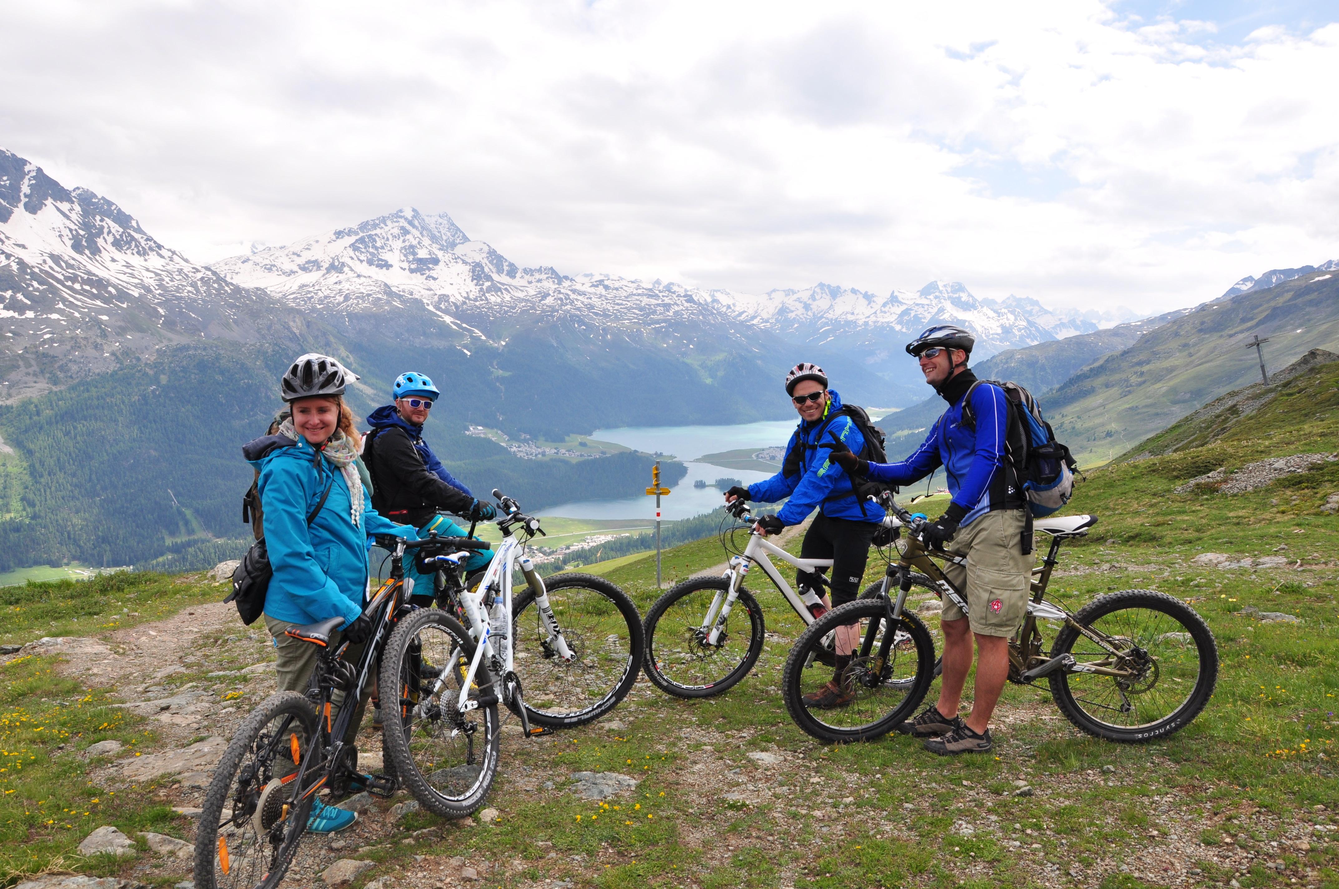 Mit dem Mountainbike unterwegs im Oberengadin Slide 1