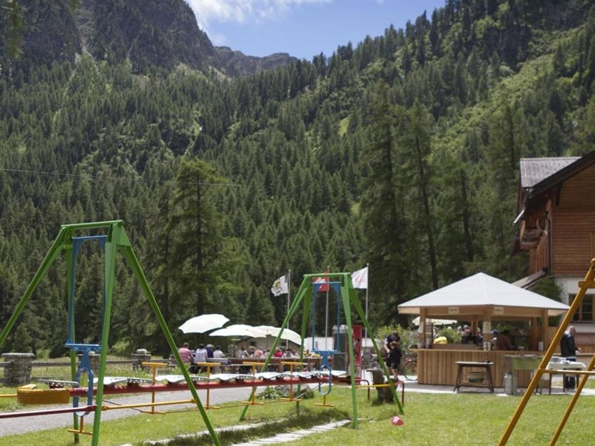 Kinderspielplatz beim Gasthaus Spinas Slide 1