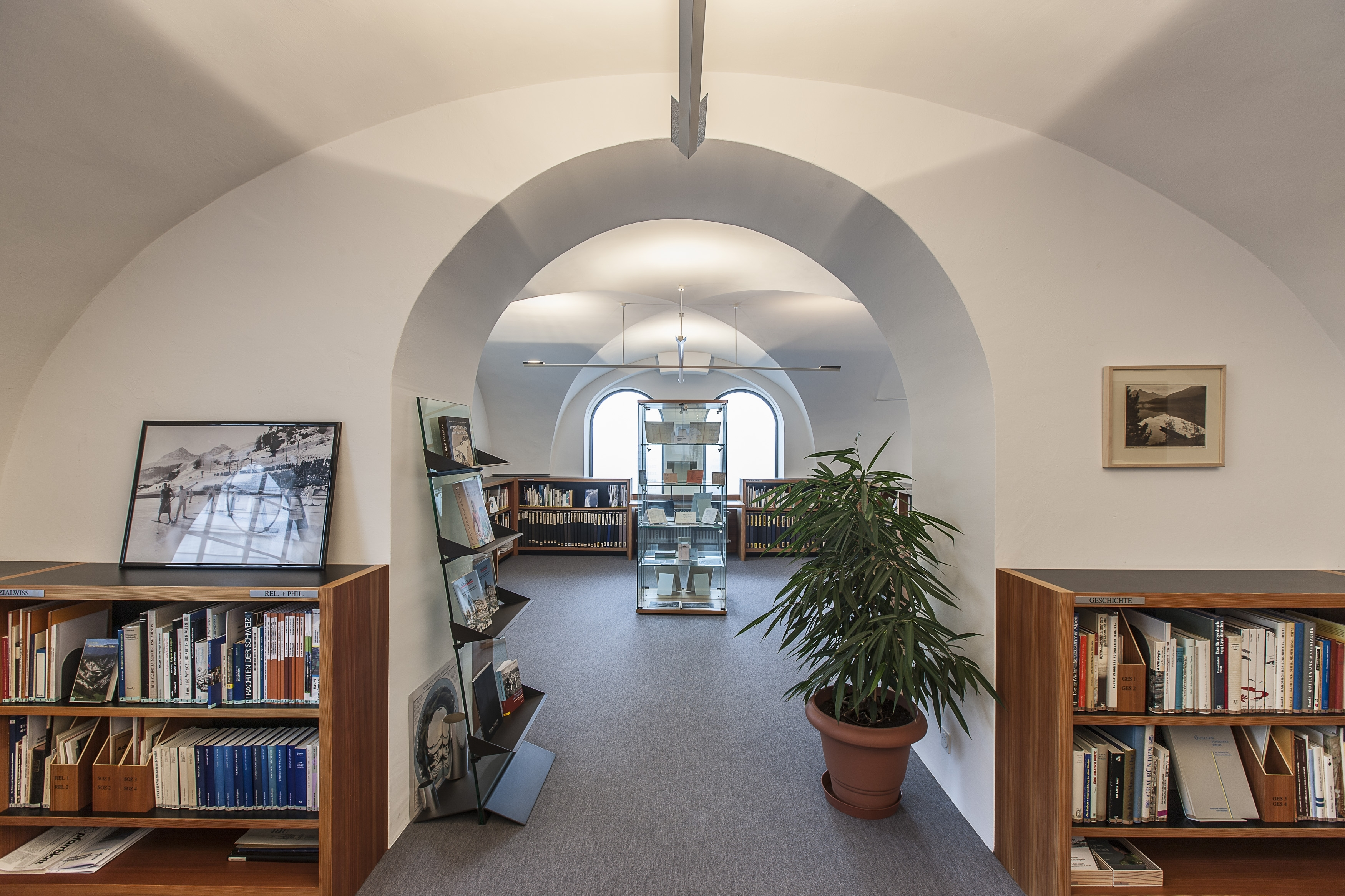 Documental library St. Moritz Slide 1