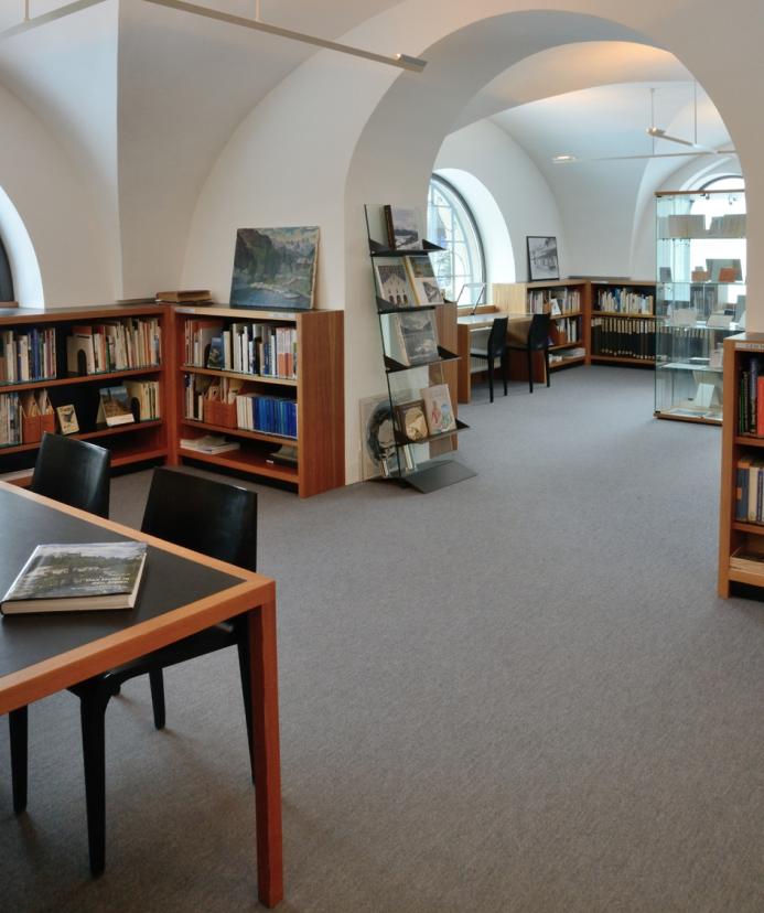 Documental library St. Moritz Slide 2
