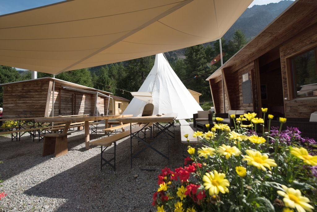 Campingrestaurant Tipi Slide 1