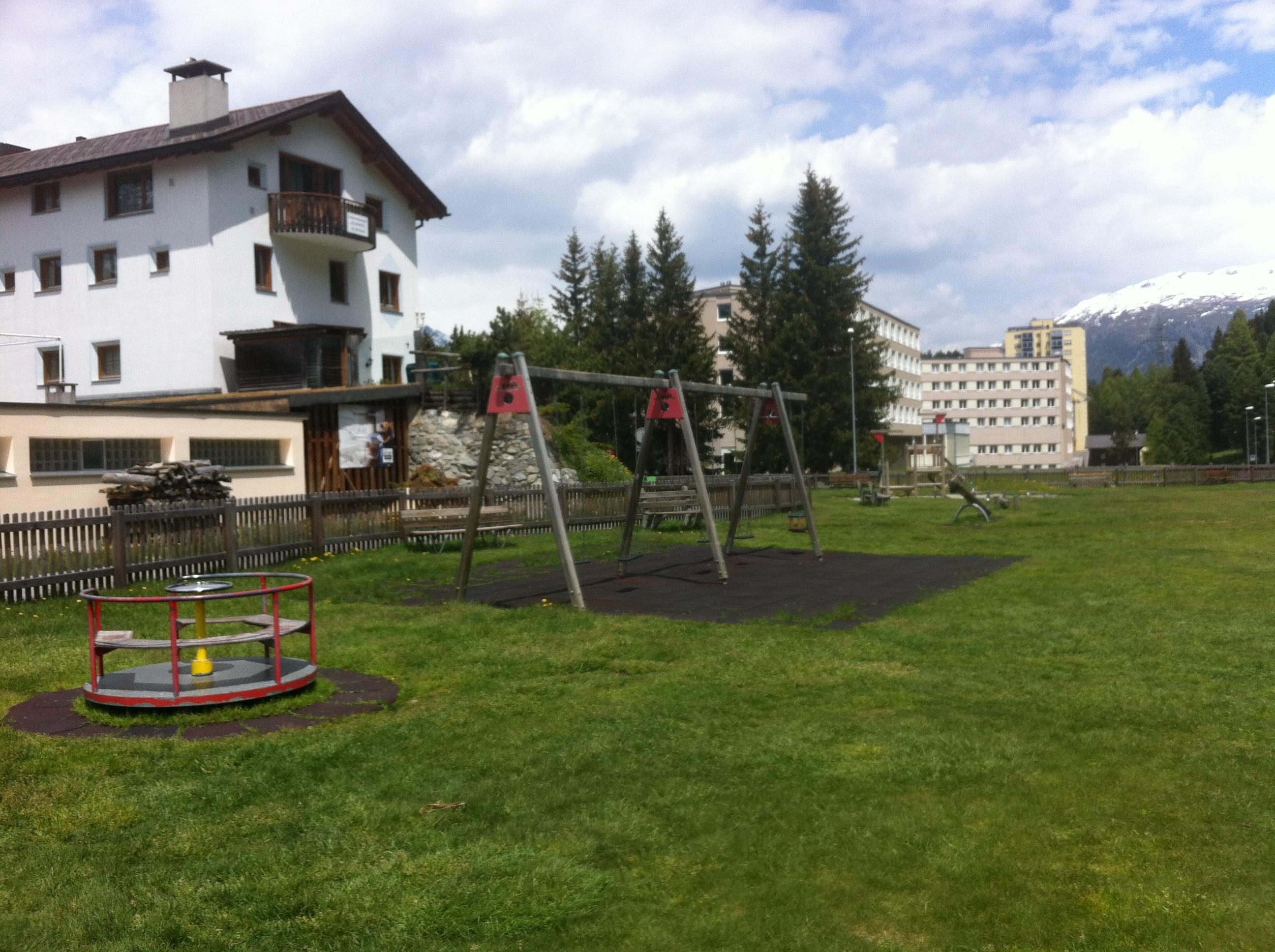 Kinderspielplatz Via da l'Ova Cotschna Slide 1