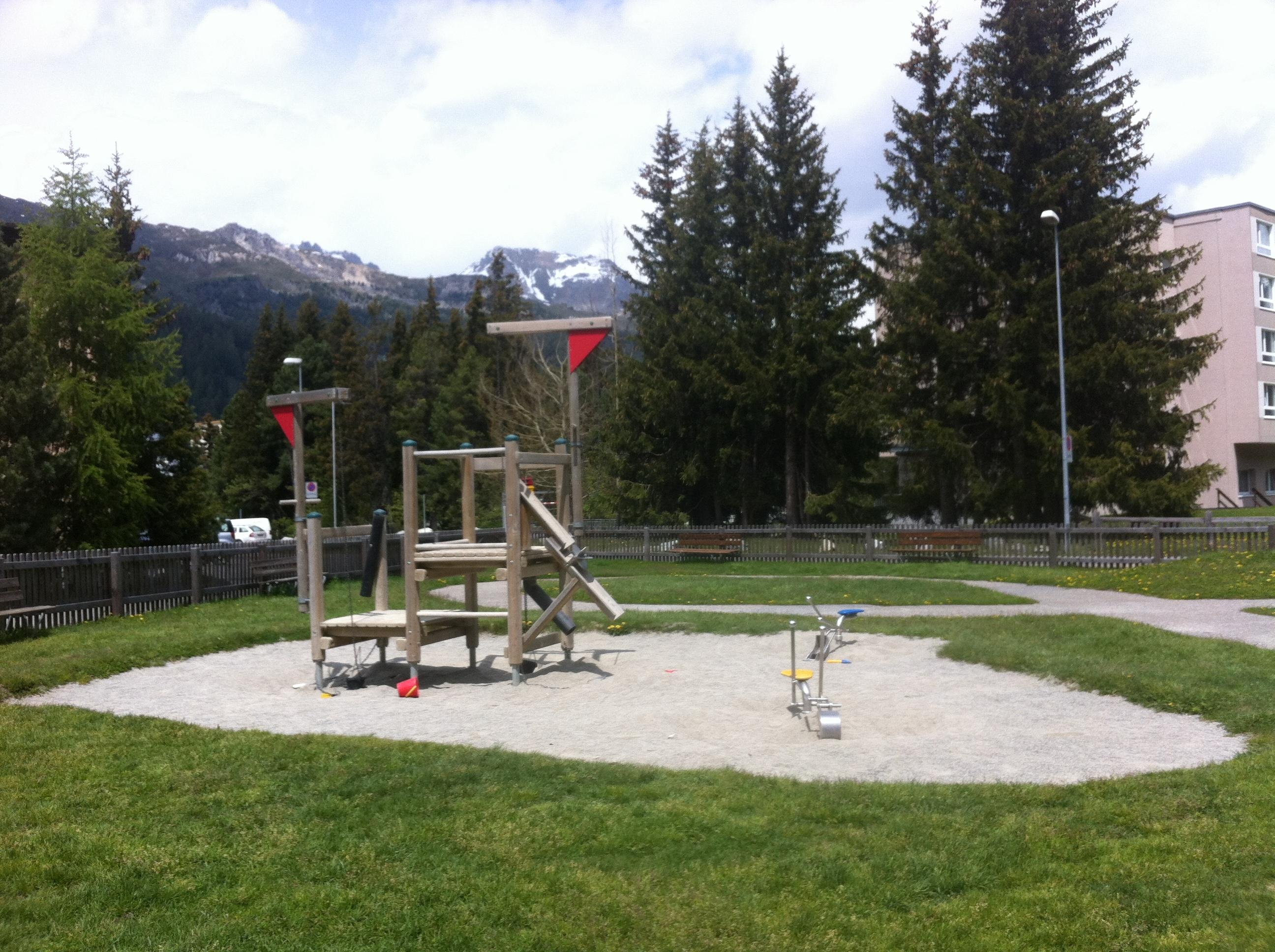 Kinderspielplatz Via da l'Ova Cotschna Slide 2