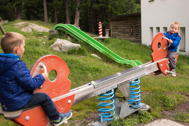 Kinderspielplatz Morteratsch Slide 2