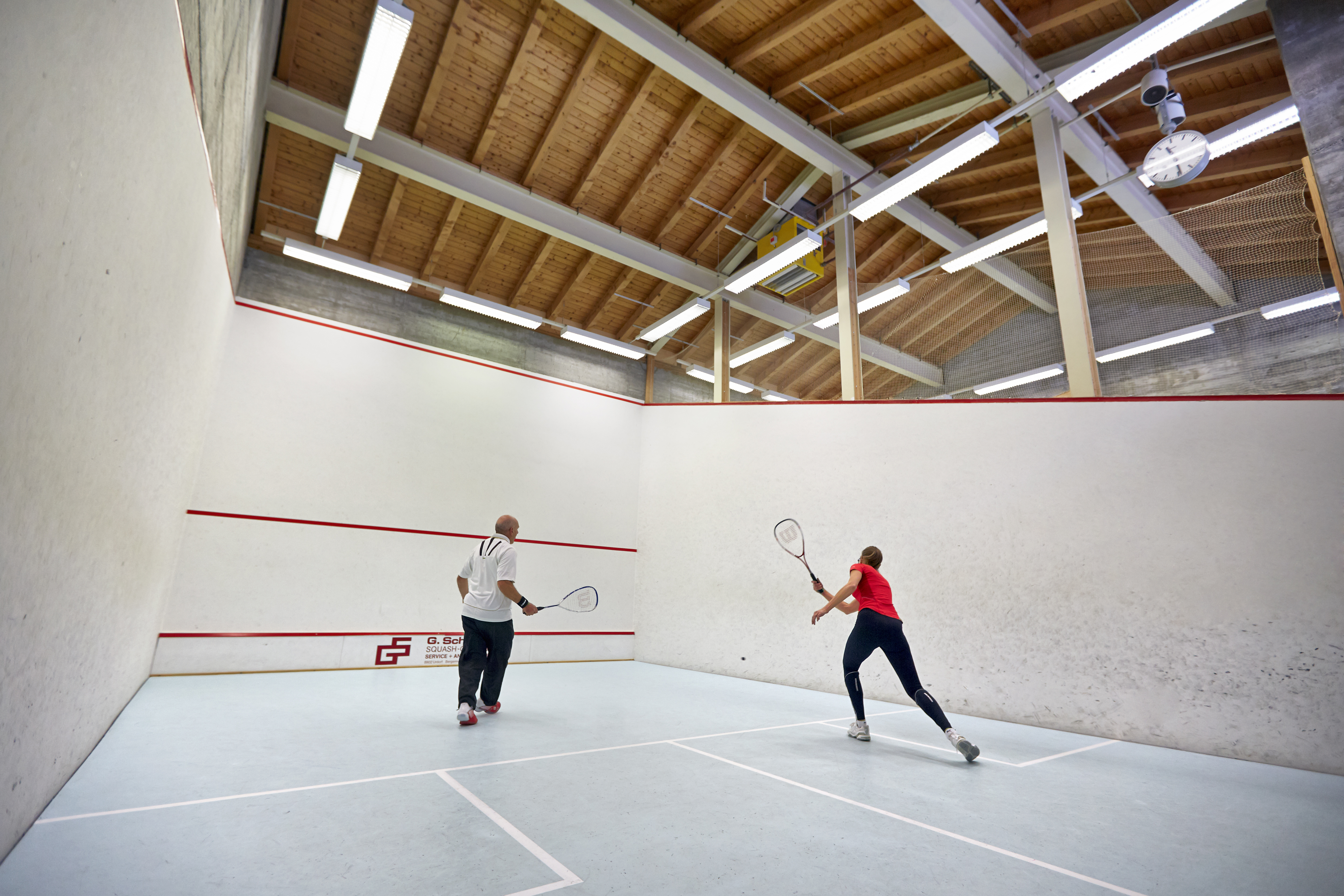Tennis & Squash Center St. Moritz Slide 3