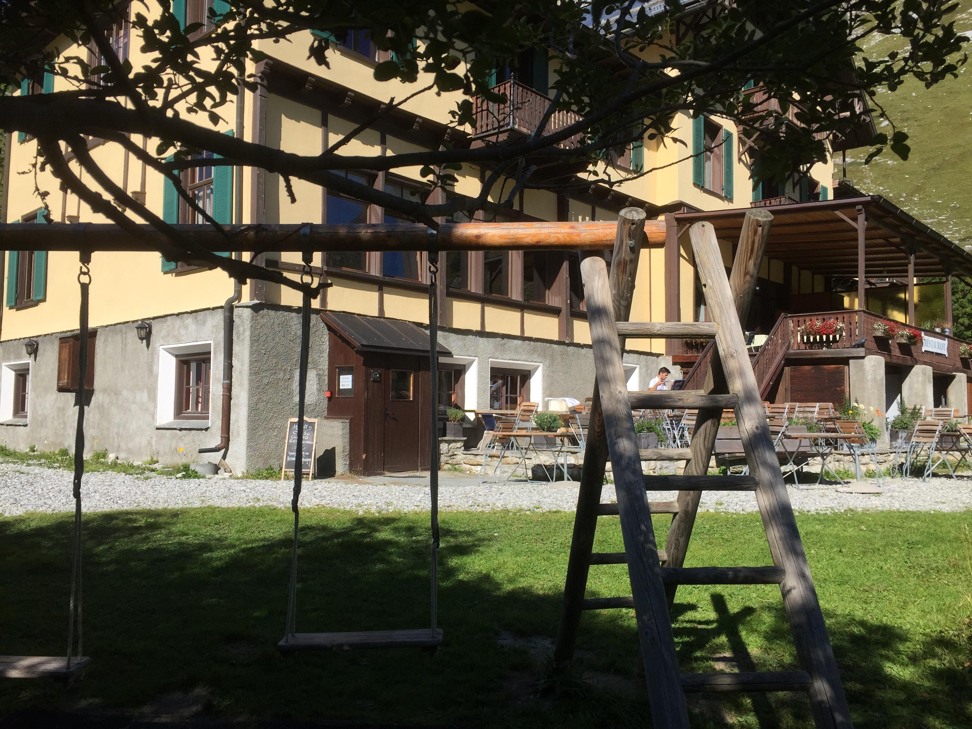 Kinderspielplatz beim Hotel Fex Slide 1