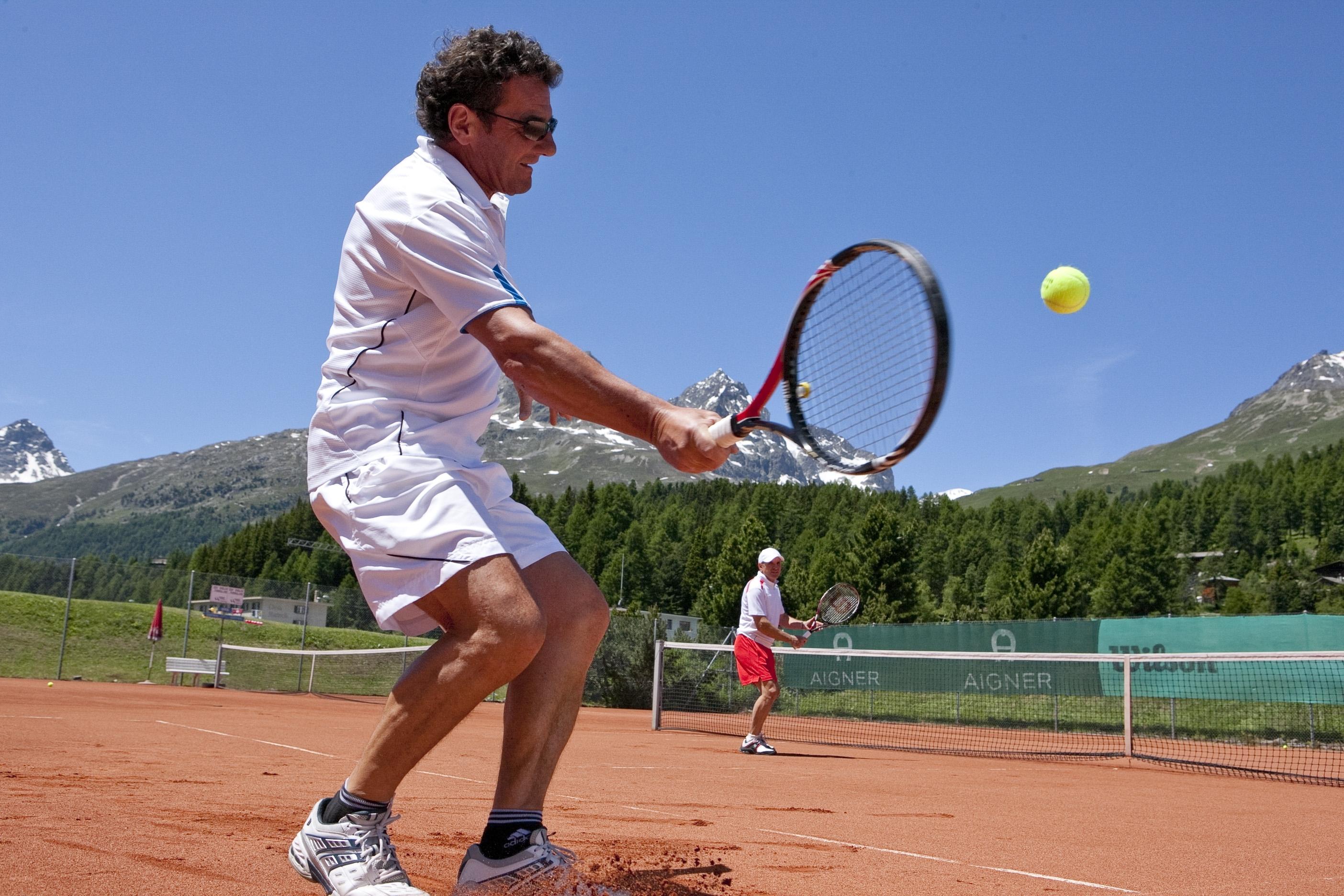 Tennis & Squash Center St. Moritz Slide 4