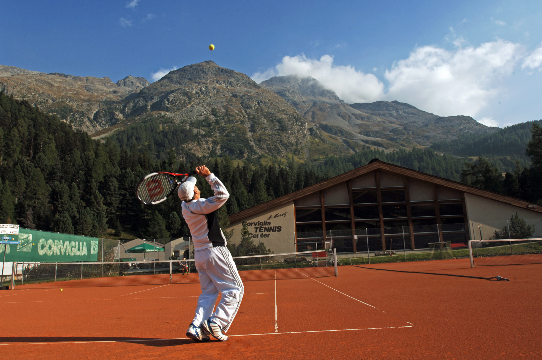 Tennis & Squash Center St. Moritz Slide 5