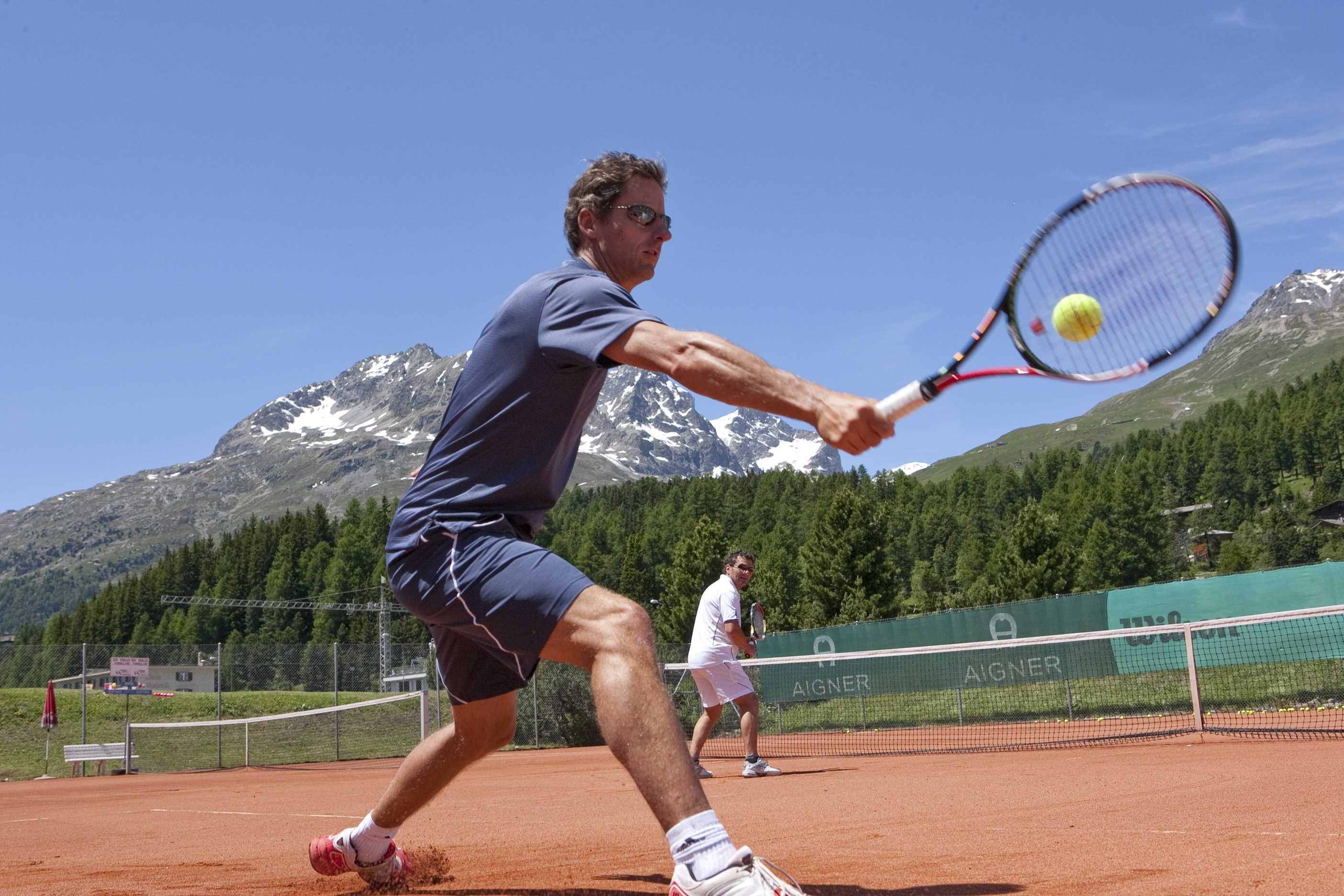 Tennis & Squash Center St. Moritz Slide 4