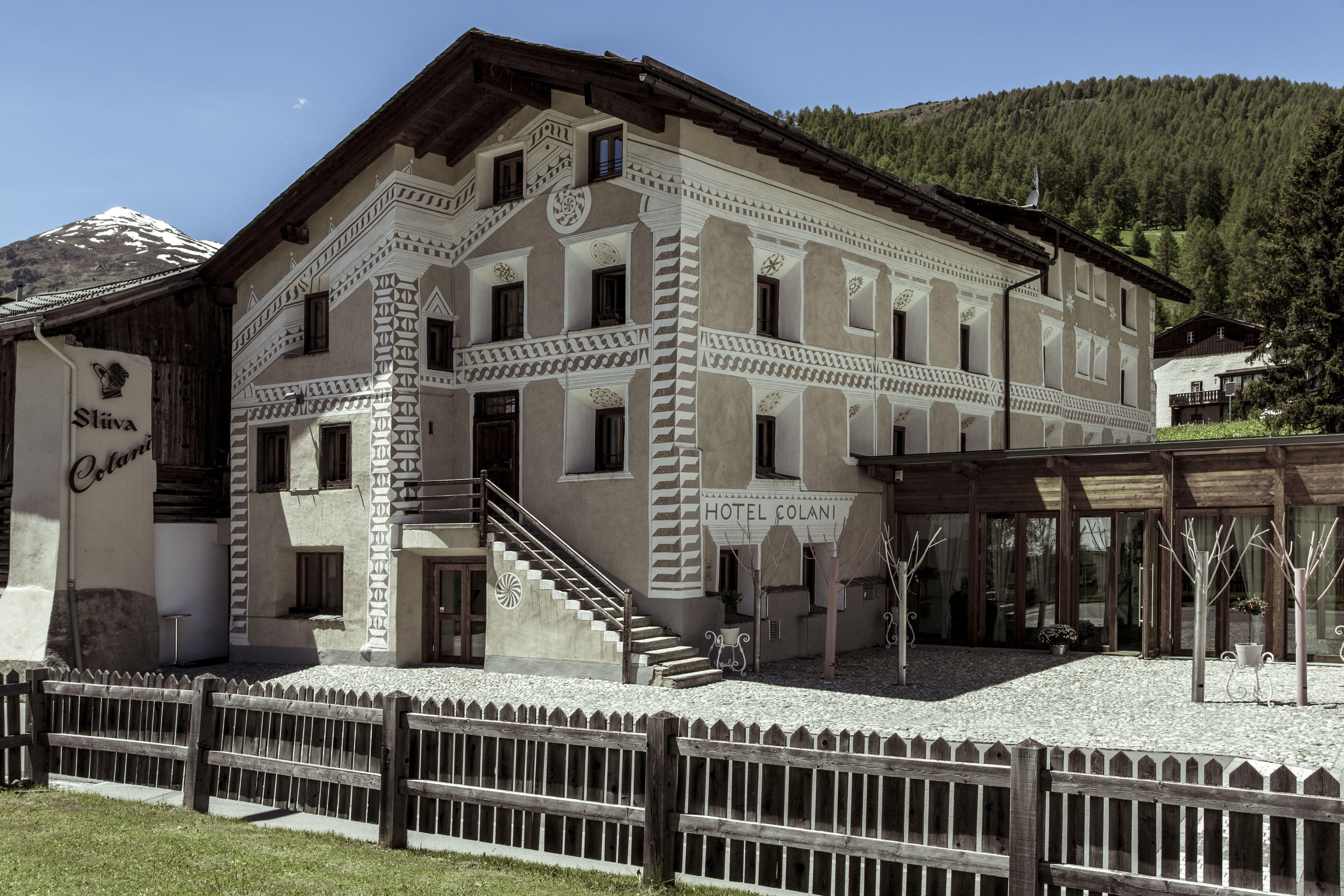 Hotels in Madulain