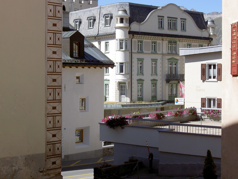 Old village part: Laret Slide 3