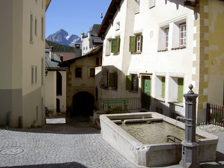 Old village part: Laret Slide 4