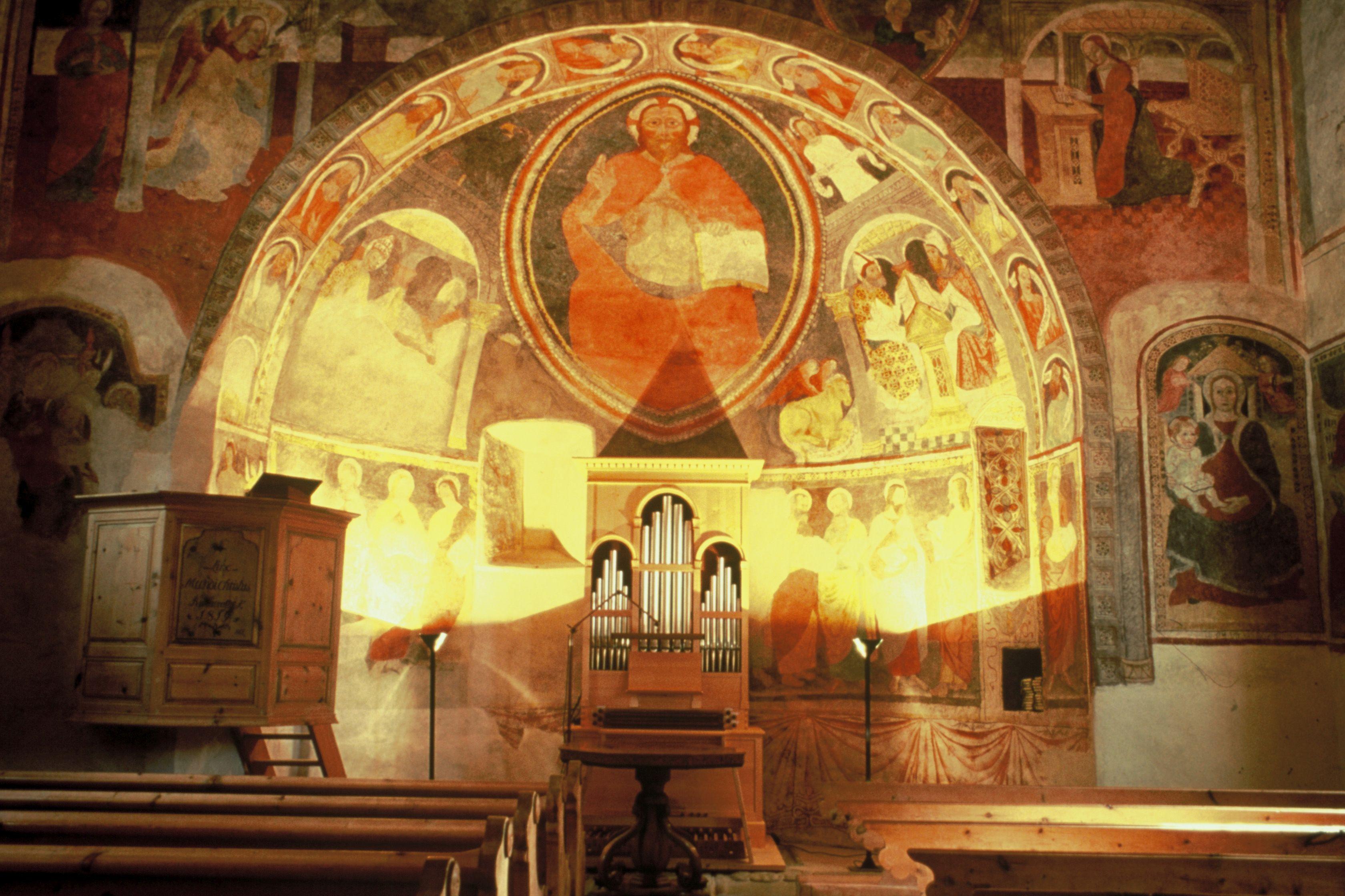 Kirche Sta. Maria Slide 1