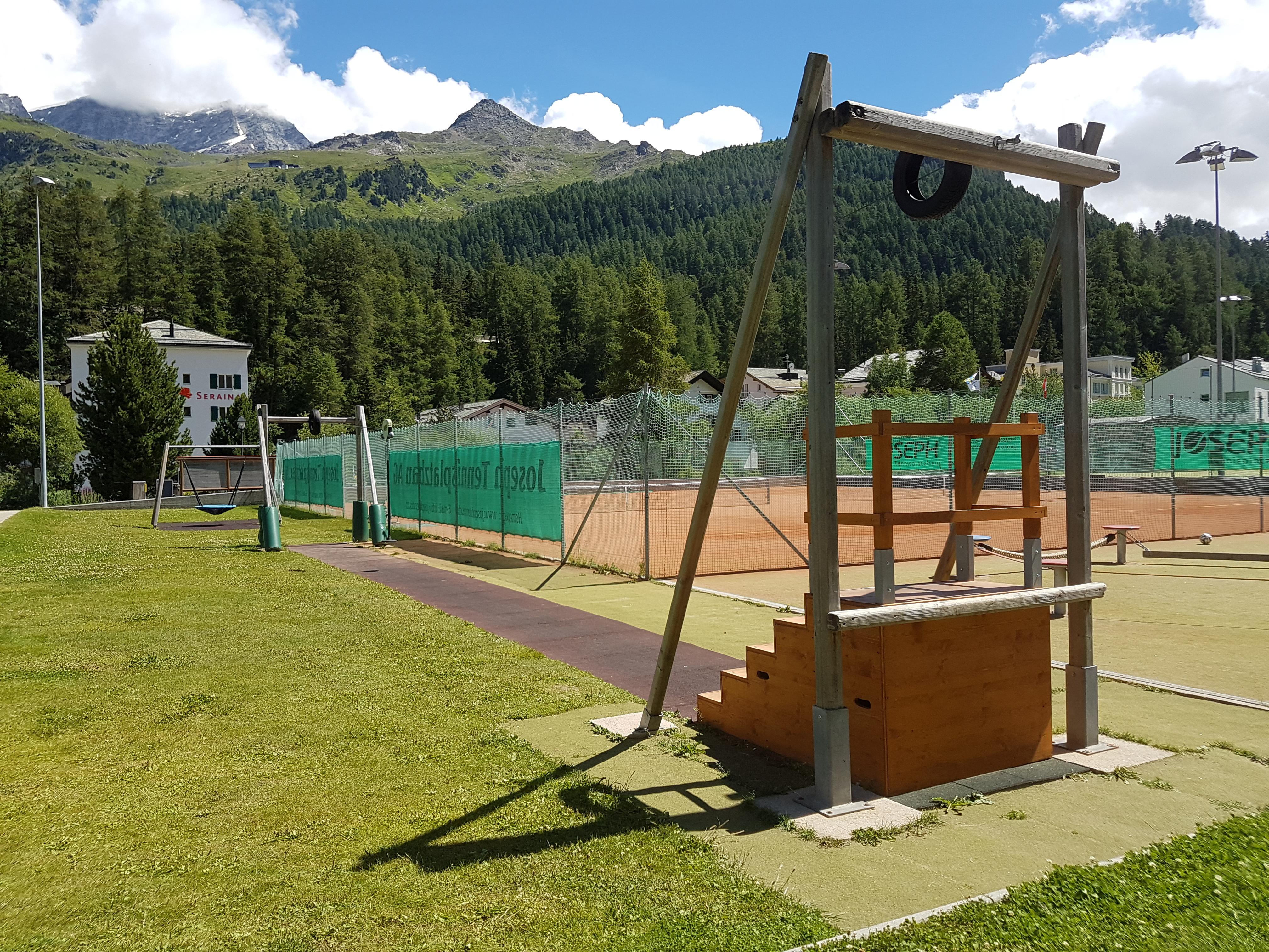 Kinderspielplatz beim Sportplatz Muot Marias Slide 2