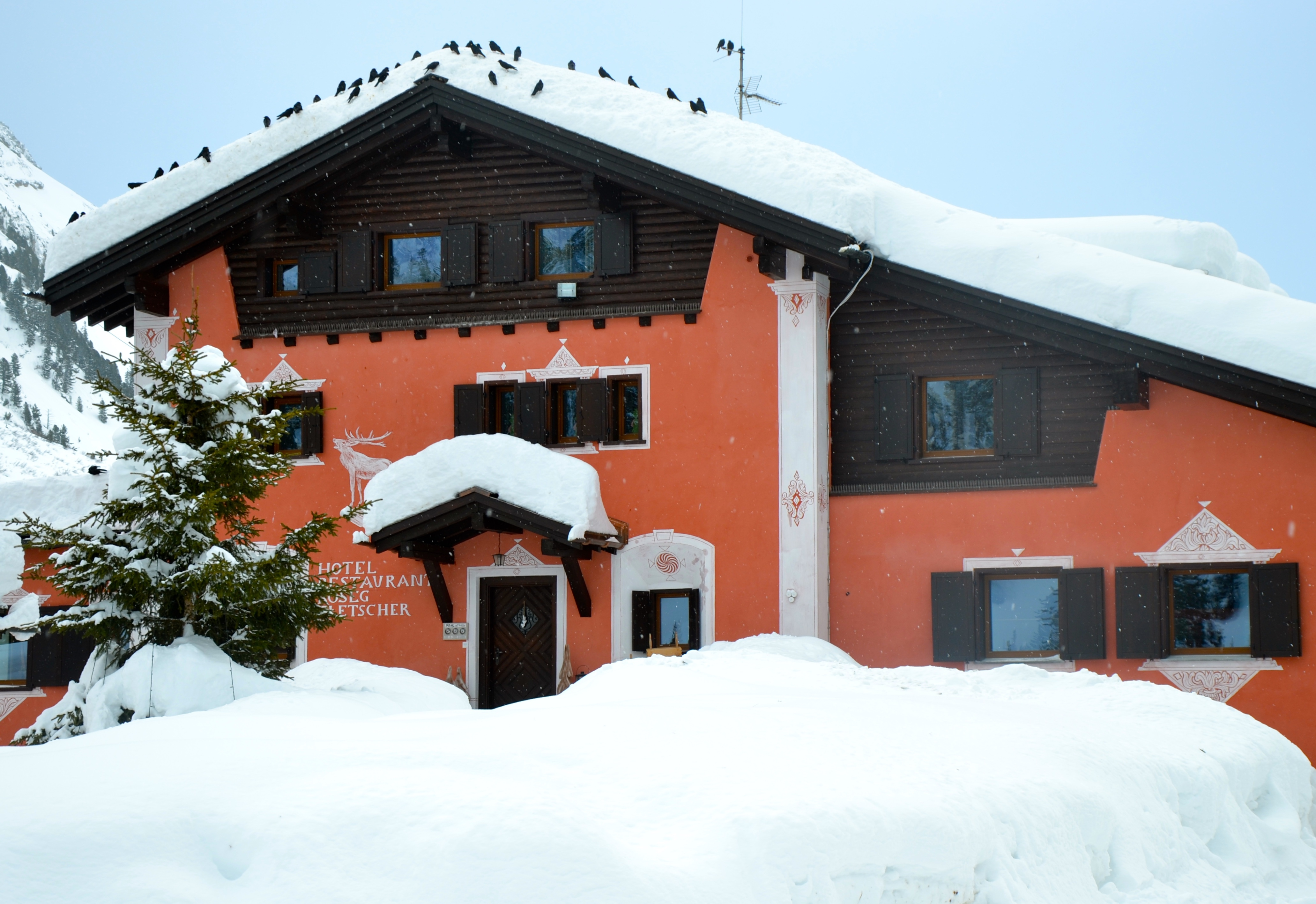 "Self-Service Restaurant Roseg Gletscher ""Misaun"" Slide 1"