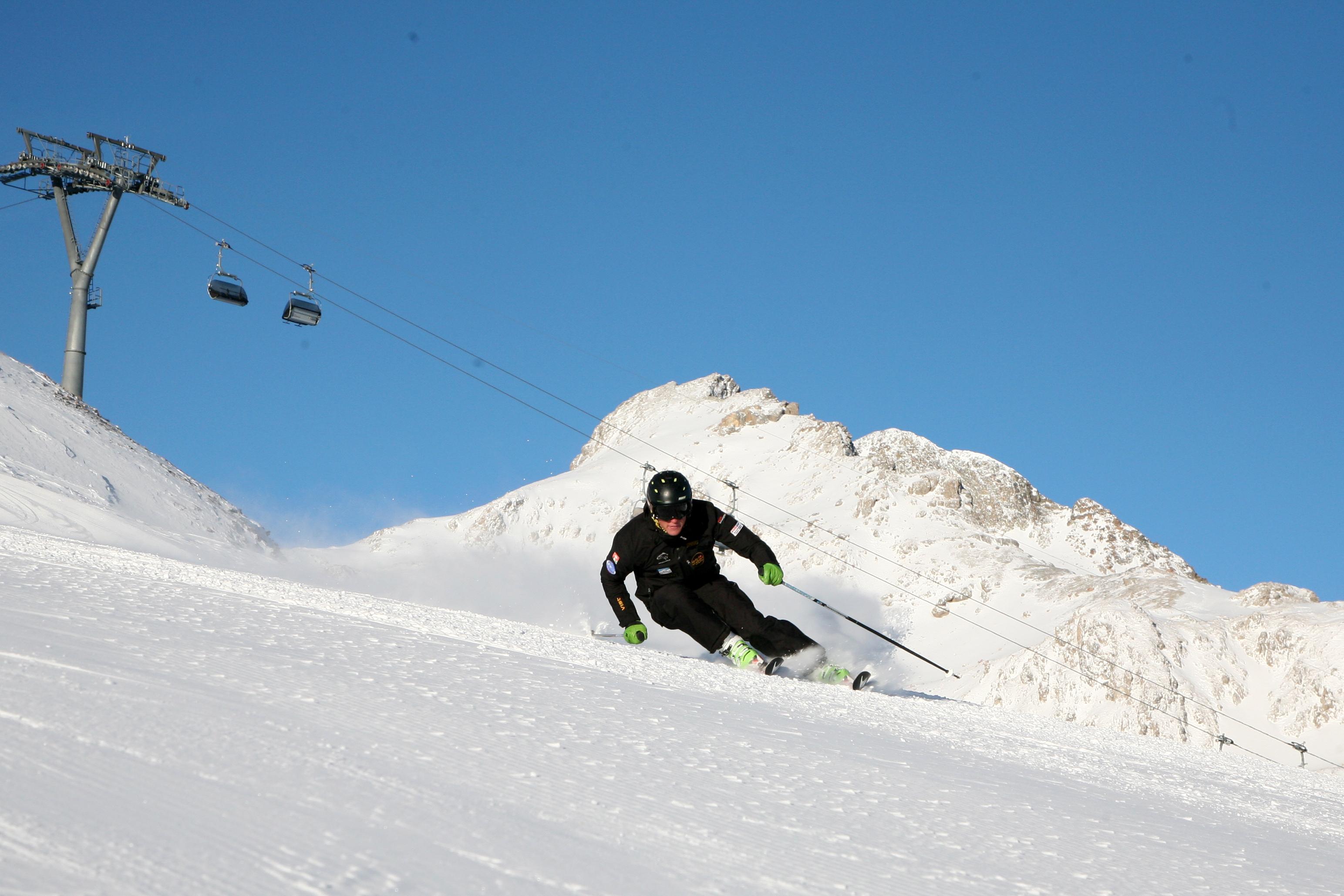 Ski Cool St. Moritz Slide 3