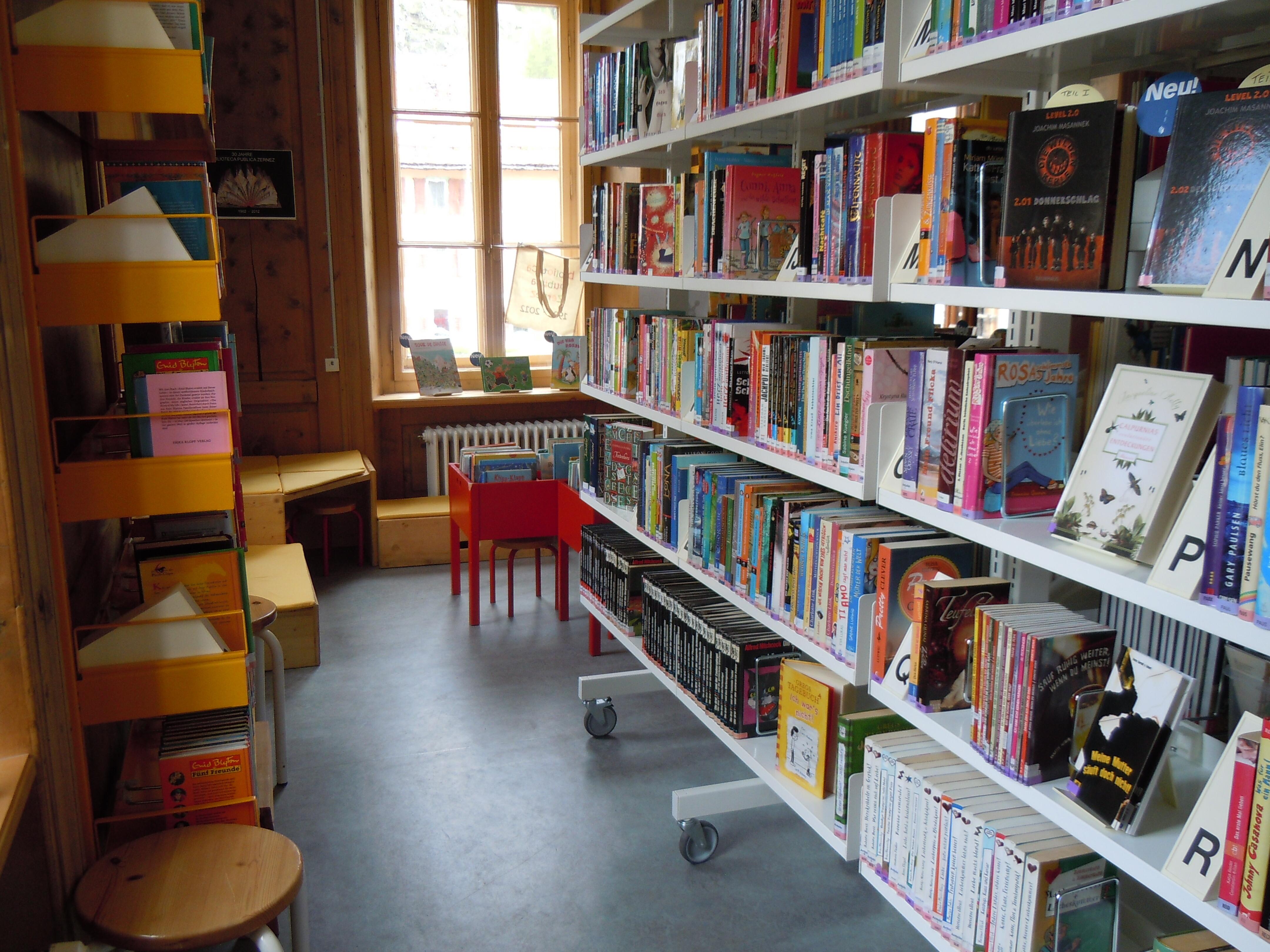 Biblioteca publica Zernez Slide 3