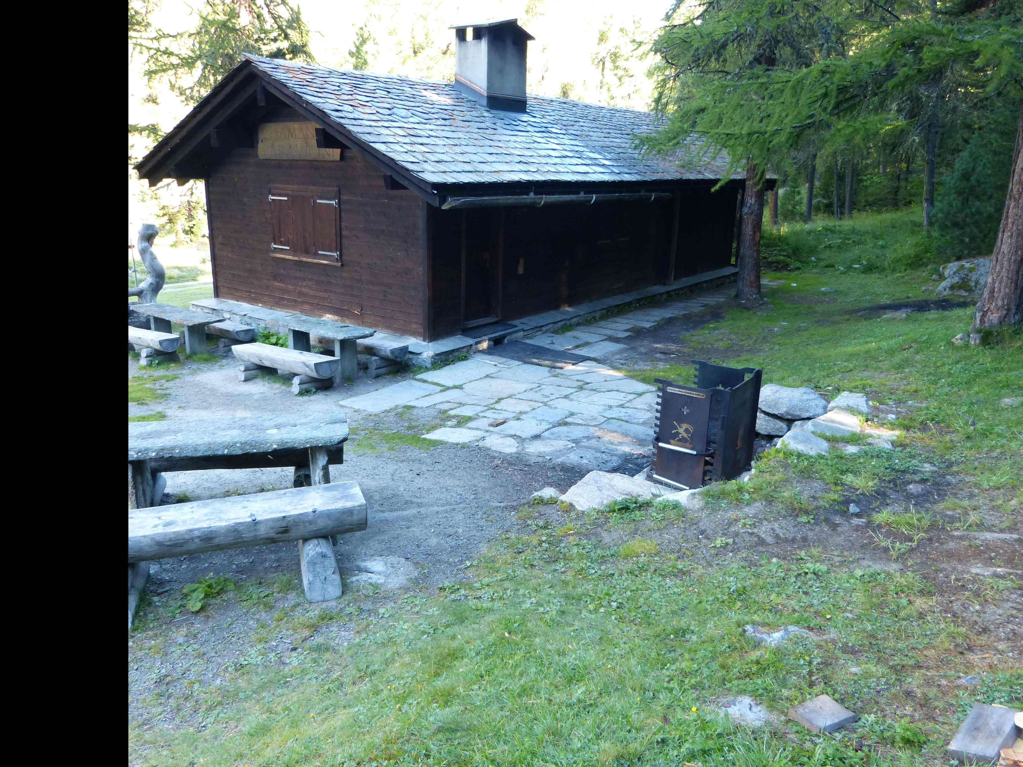 Feuerstelle bei der Paravicini Hütte Slide 2