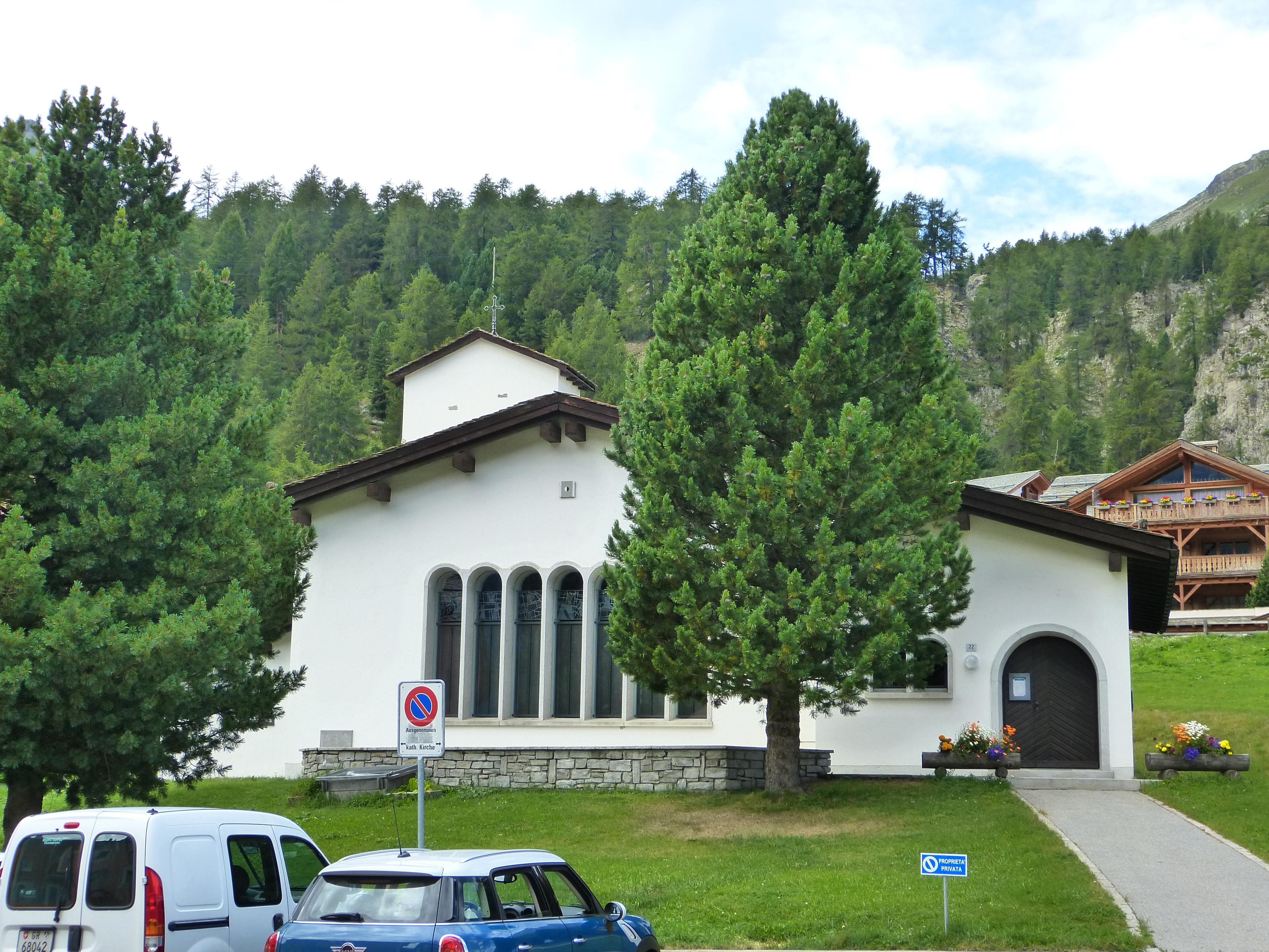 Katholische Kirche St. Anna Slide 1