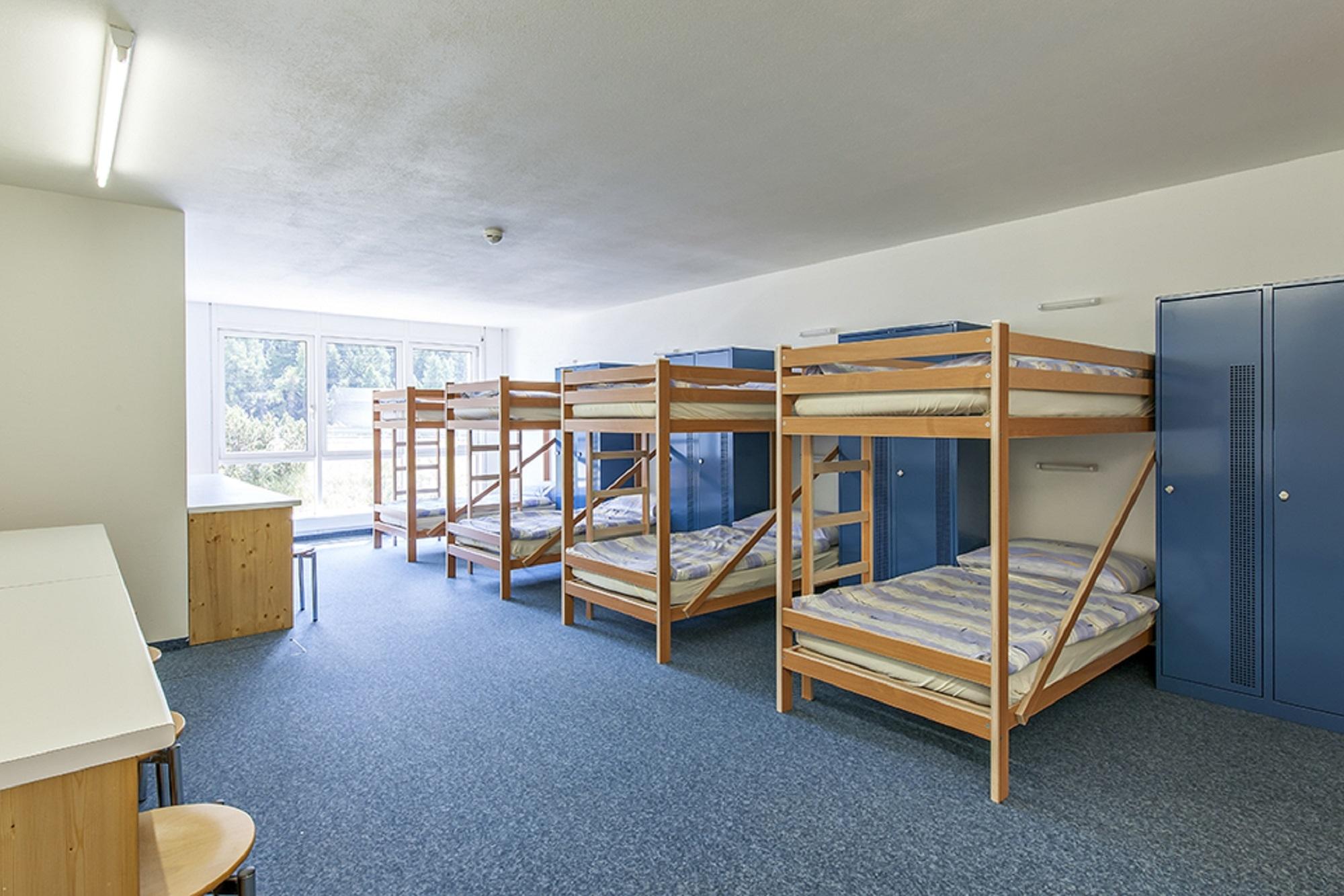 All In One Hotel Inn Lodge Slide 3