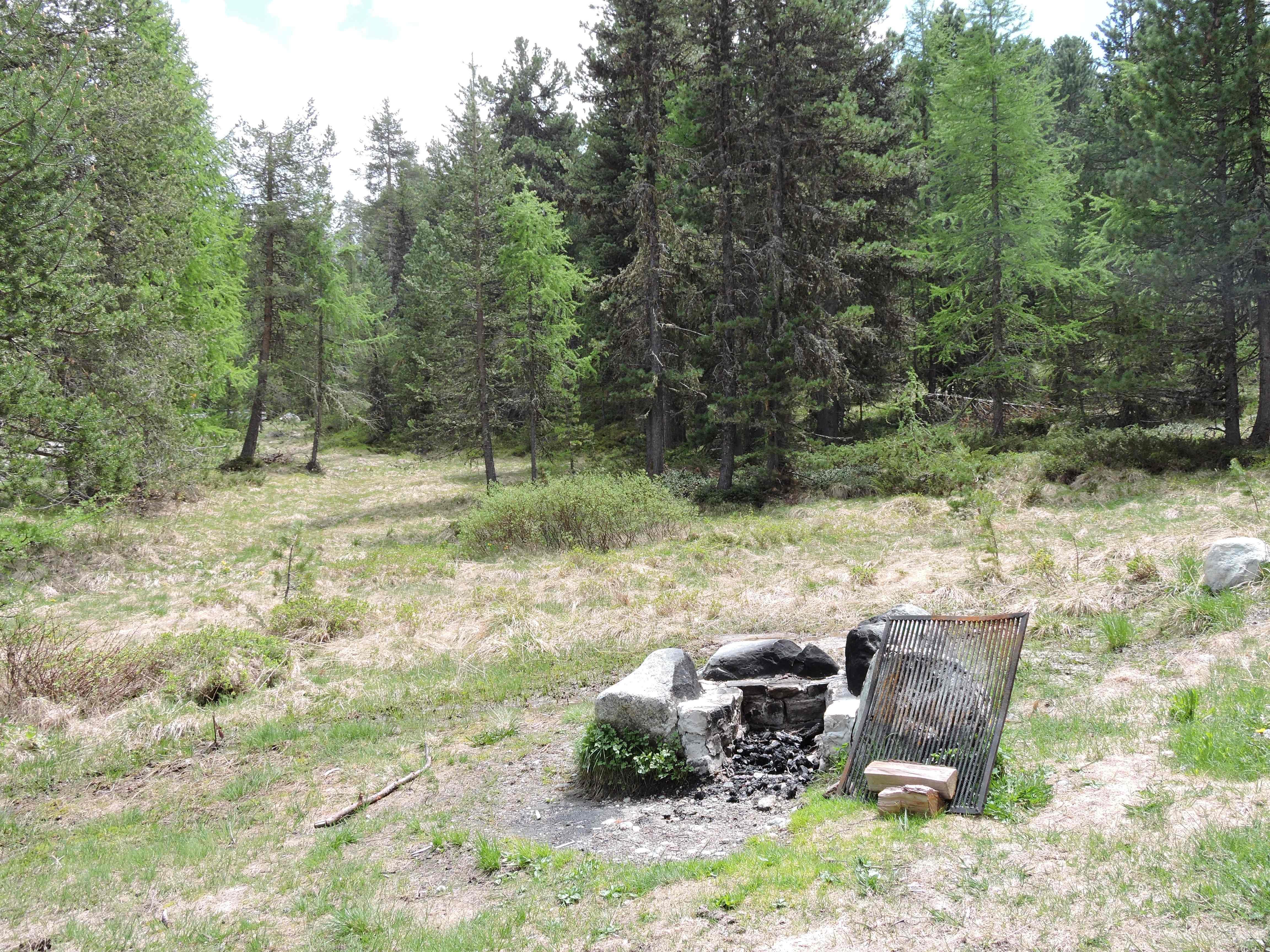 Feuerstelle bei Palüd Chapè Slide 1