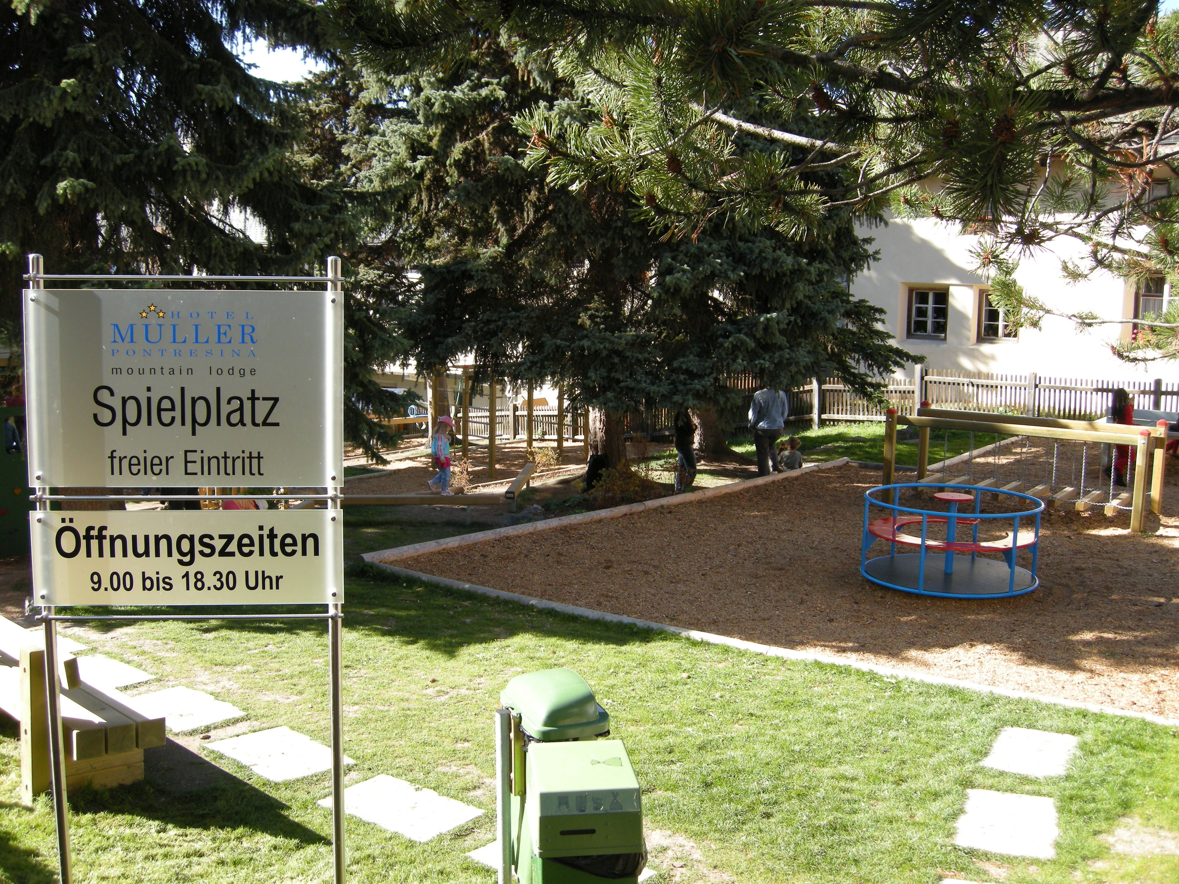 Kinderspielplatz Hotel Müller Slide 1