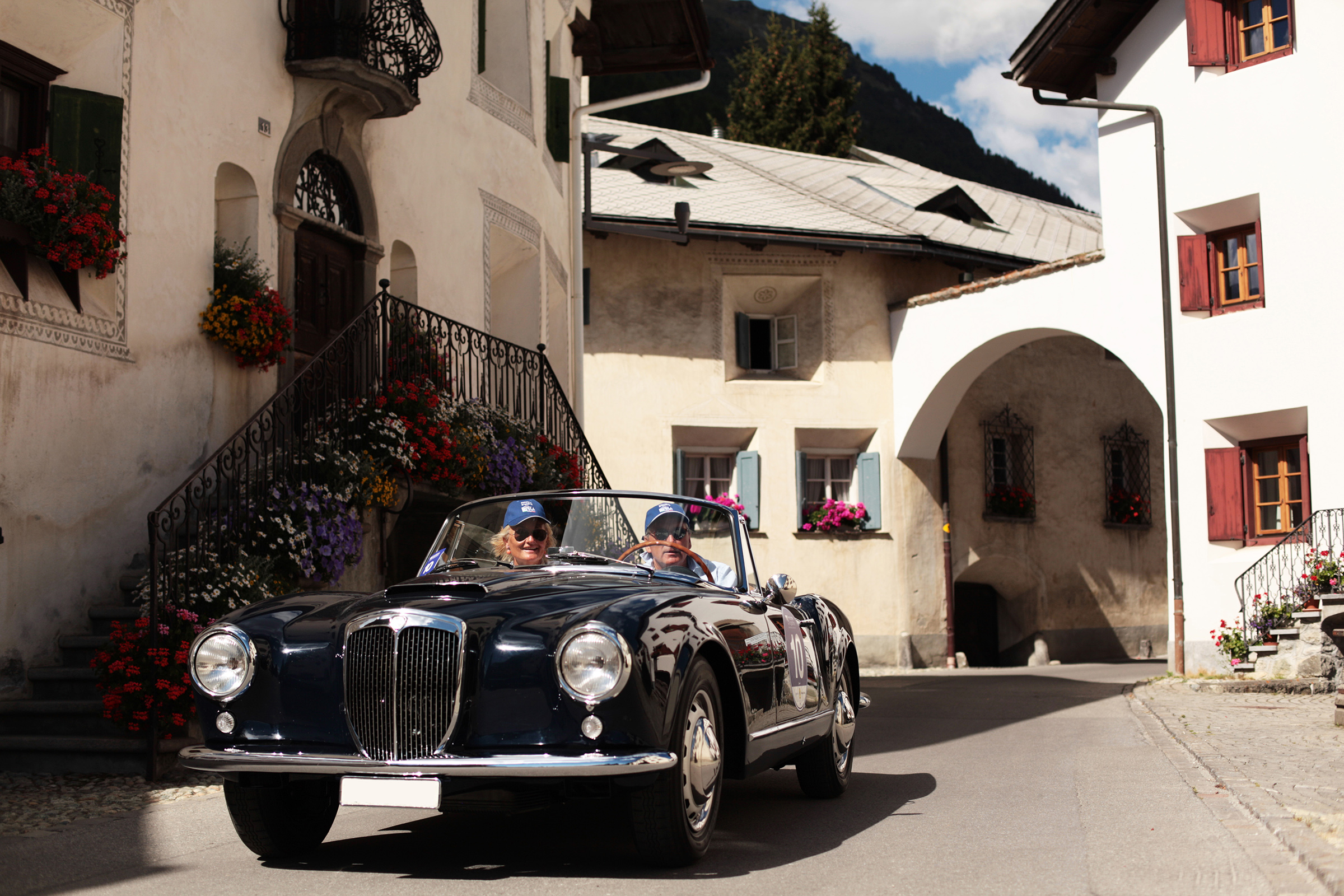 Stylish excursions with old-timer cars