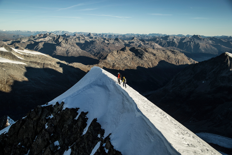 Bergsteigerschule Pontresina (Mountaineering school) Slide 3
