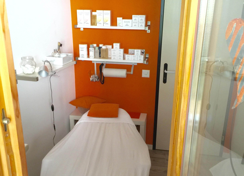 Beauty Salon Slide 1