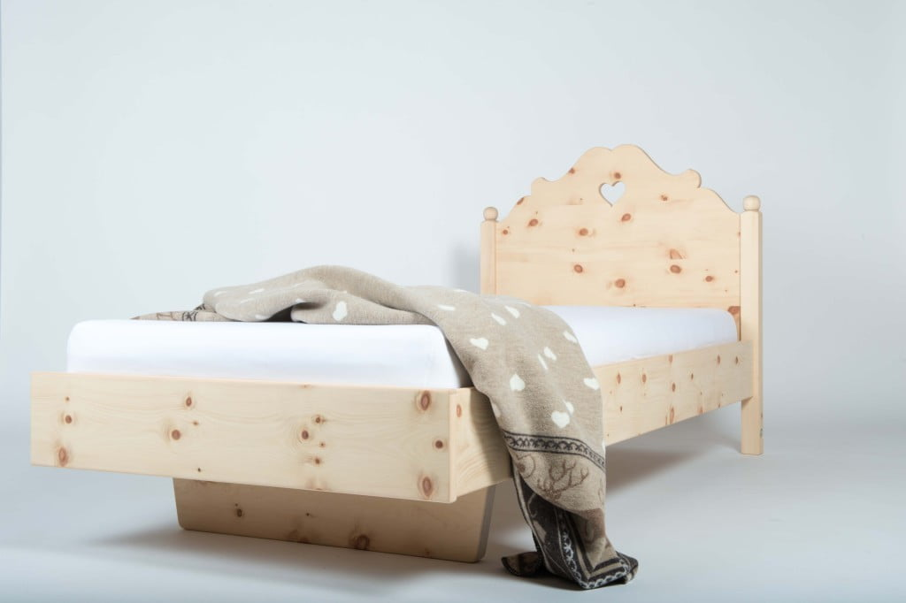 butia rominger m bel pontresina winter in engadin st moritz. Black Bedroom Furniture Sets. Home Design Ideas