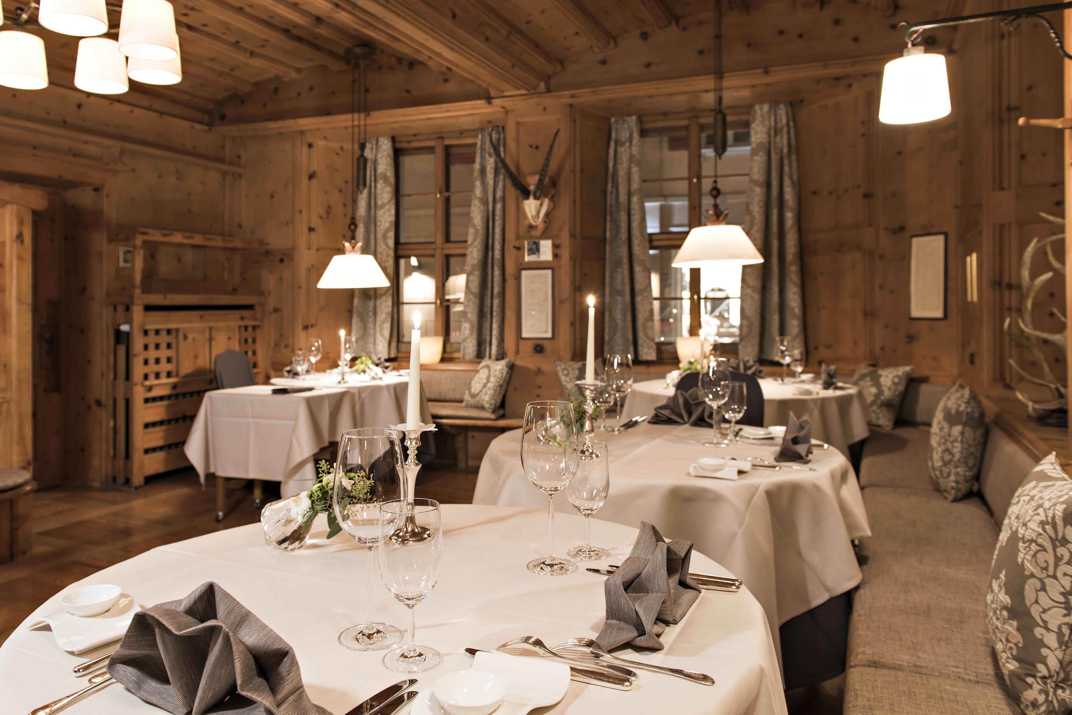 Grand Hotel Kronenhof - Gourmet Restaurant Kronenstübli Slide 1