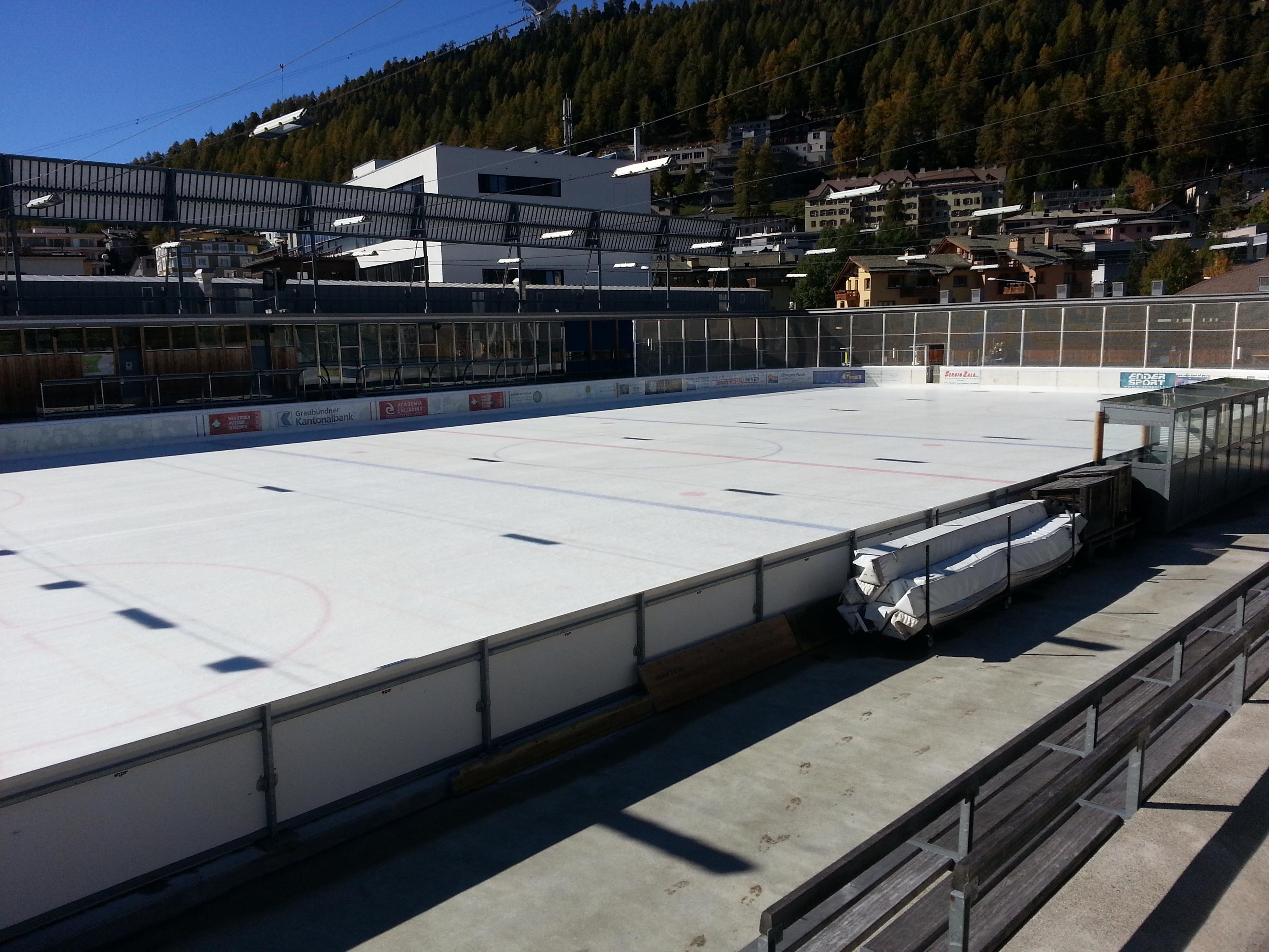 Ice Rink Eisarena Laudains Slide 3