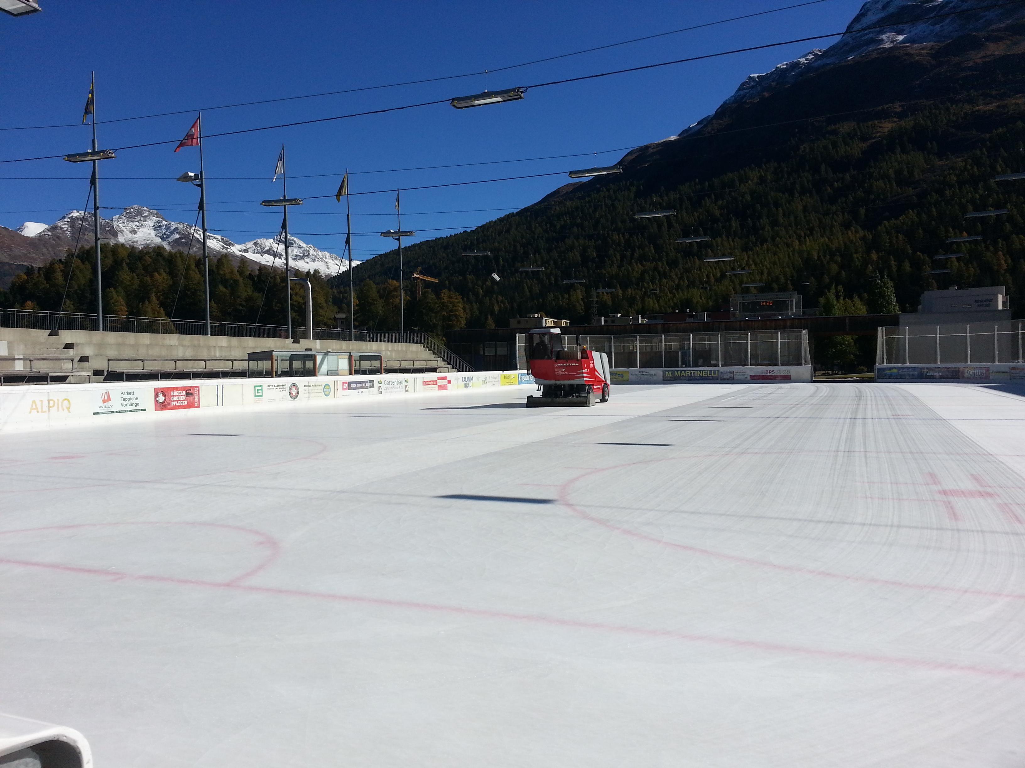Ice Rink Eisarena Laudains Slide 4