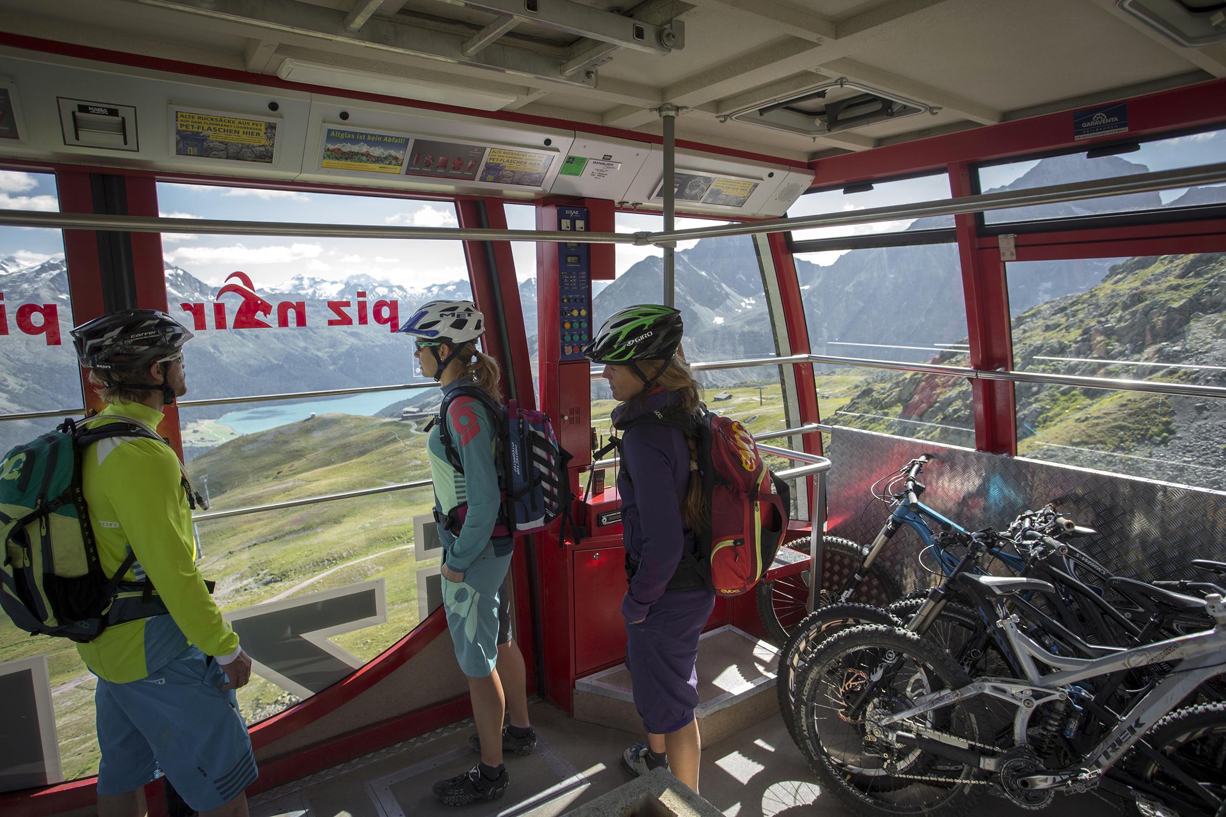Mountainbike Transport Corviglia