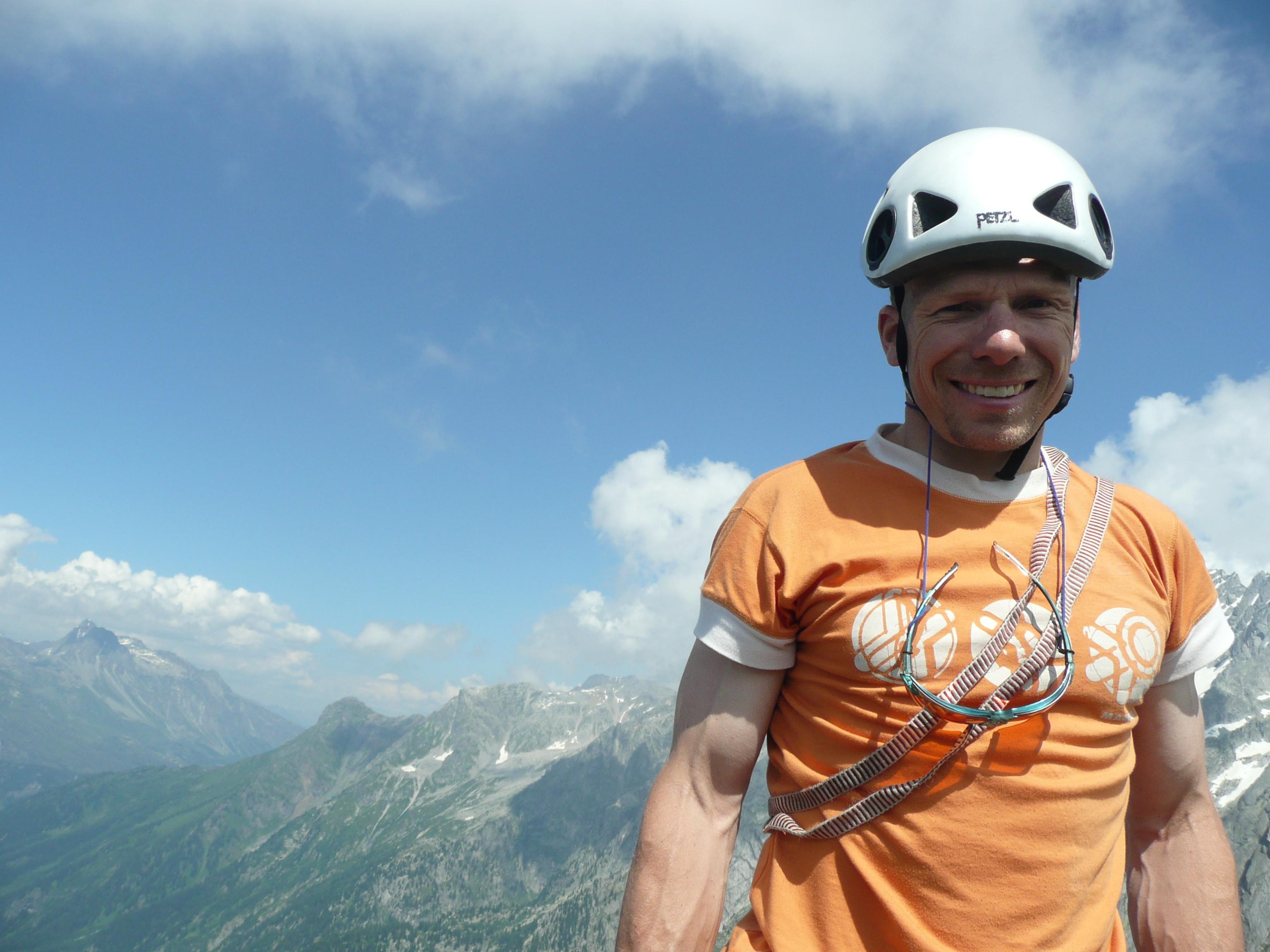 Bär Snowsports Engadin, Bike-, Berg- und Schneesportschule Slide 1