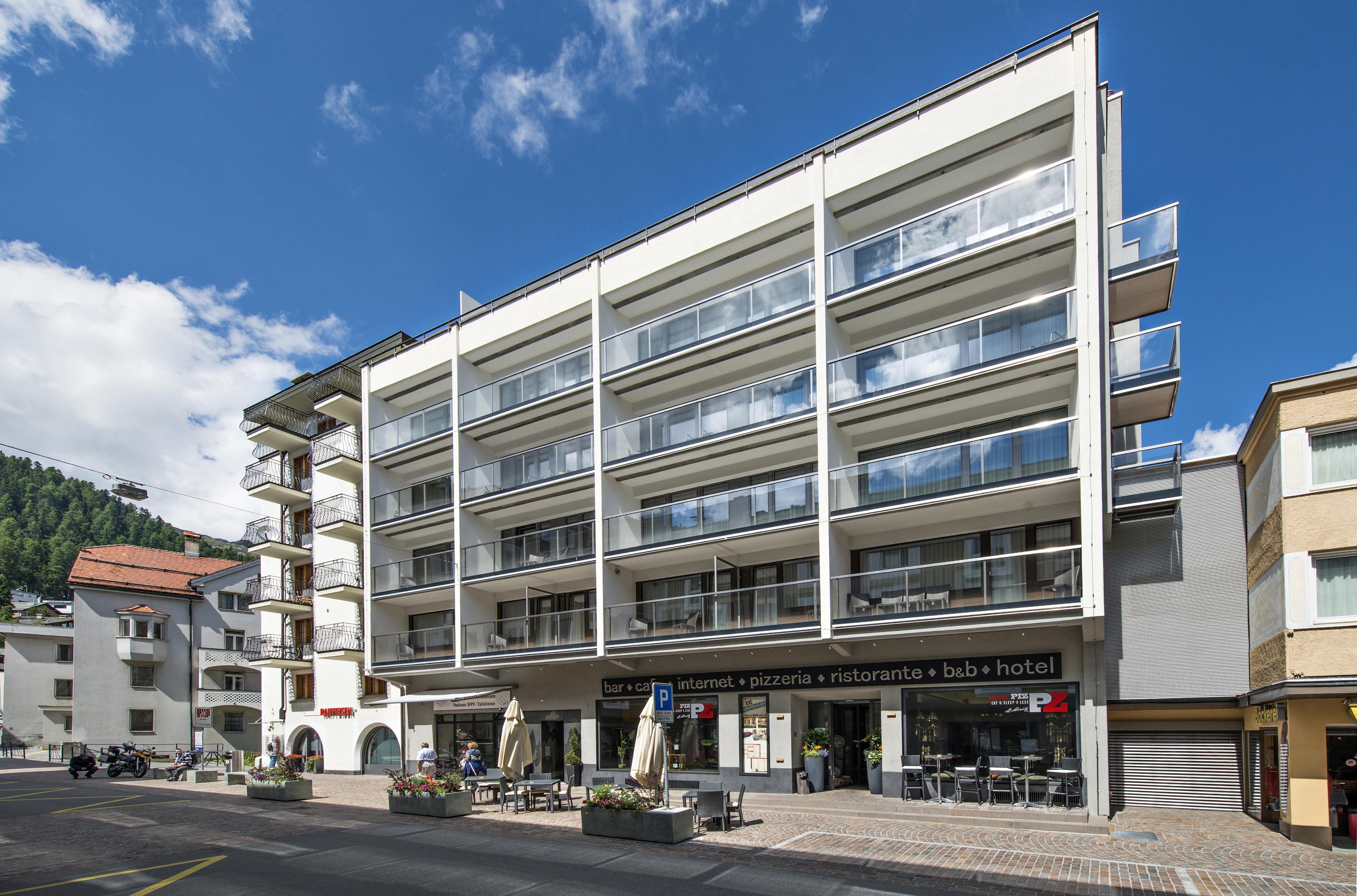 Hotel Restaurant Piz St. Moritz Slide 1