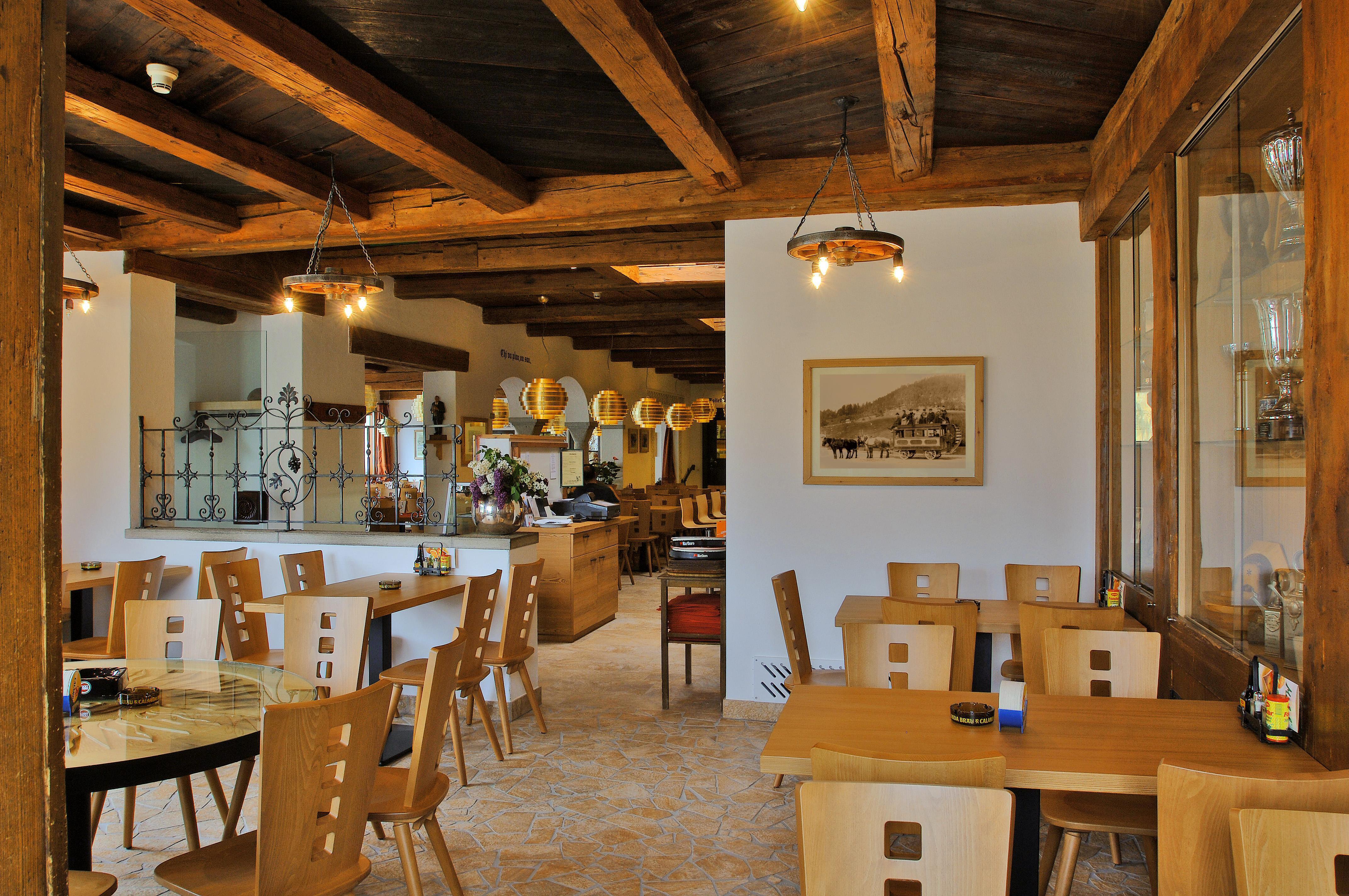 Hotel Restaurant Pizzeria Sonne Slide 3