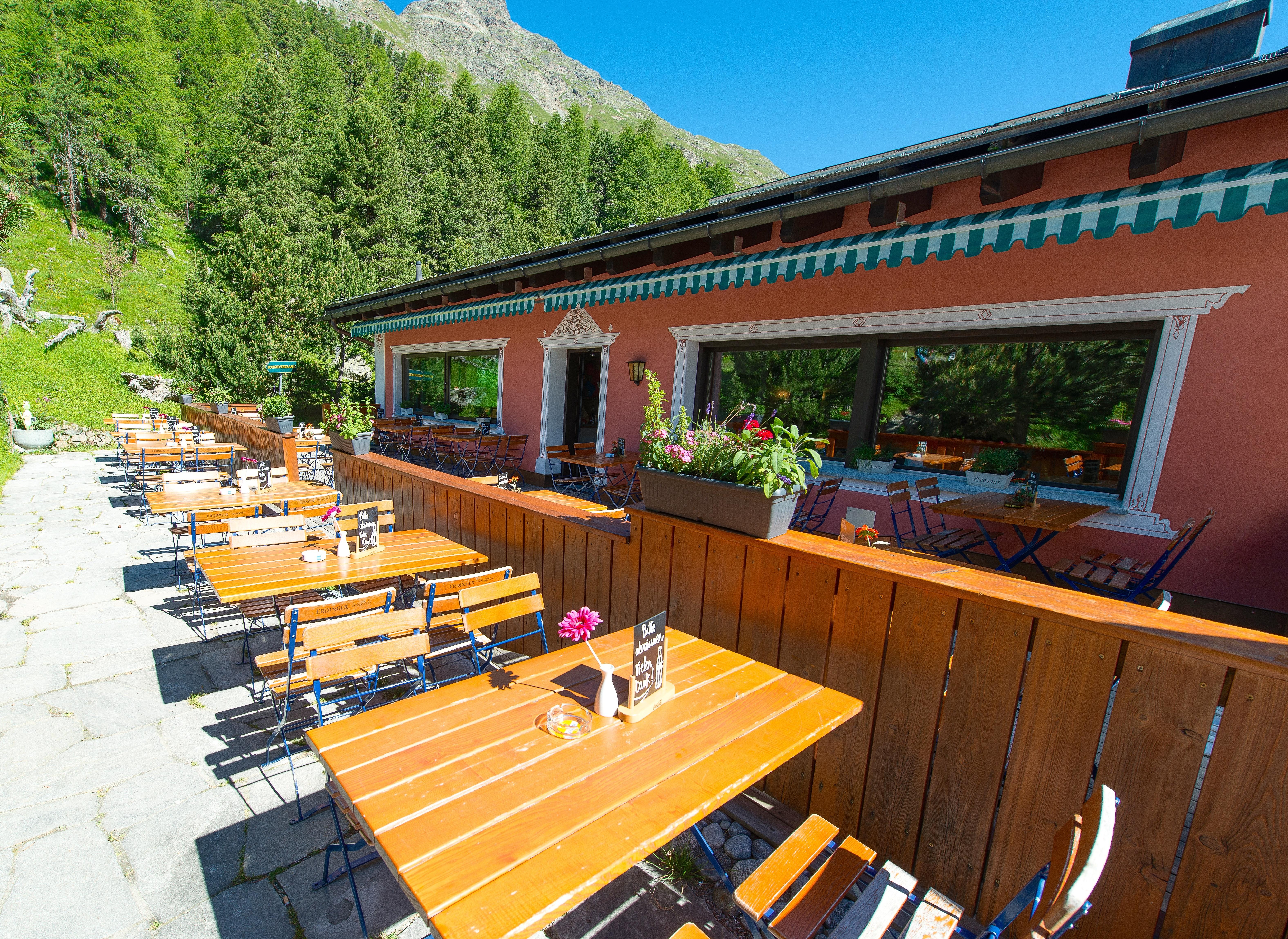 Restaurant Hotel Roseg Gletscher Slide 4
