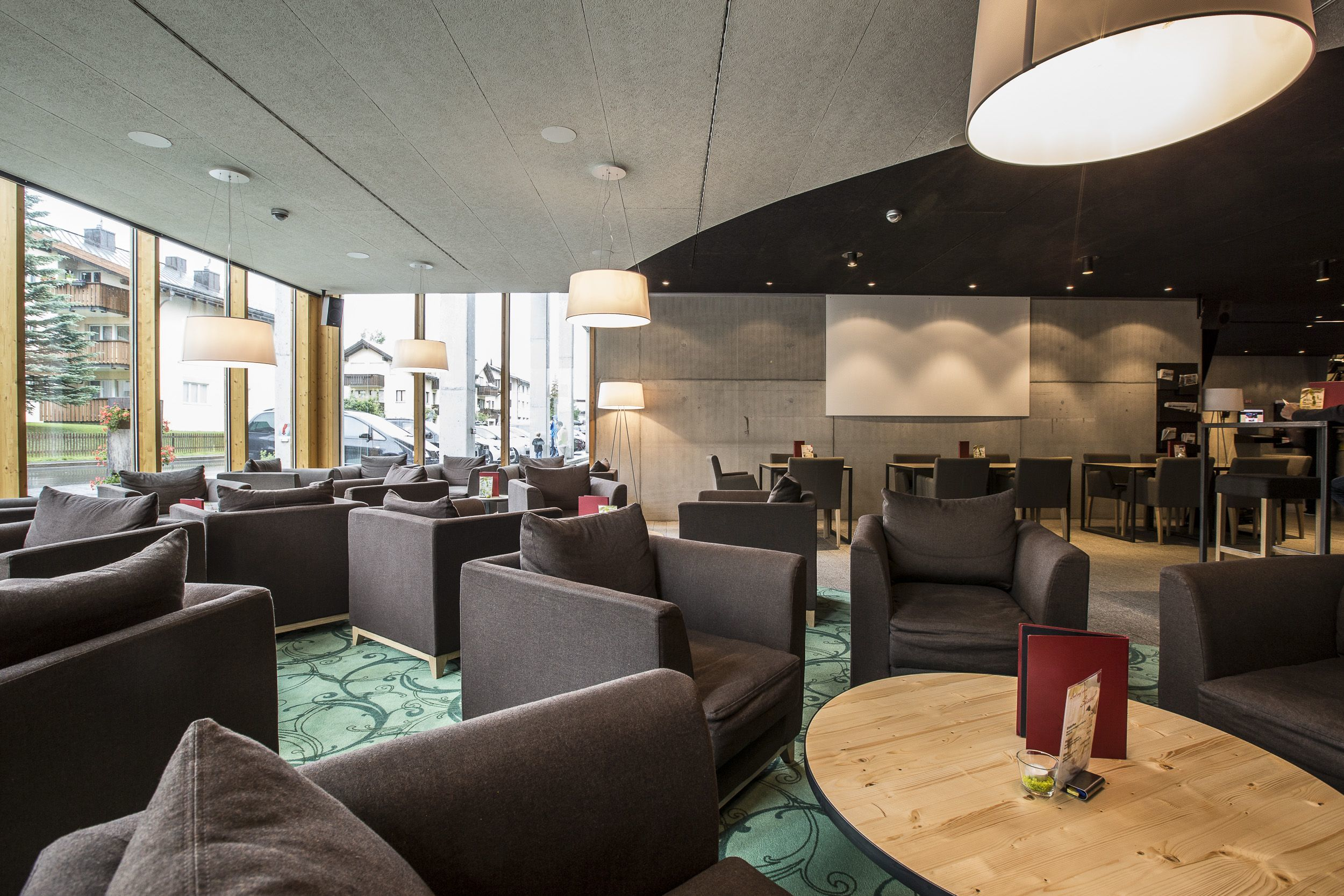 Lounge Bar / Bistro Inn Lodge Slide 3