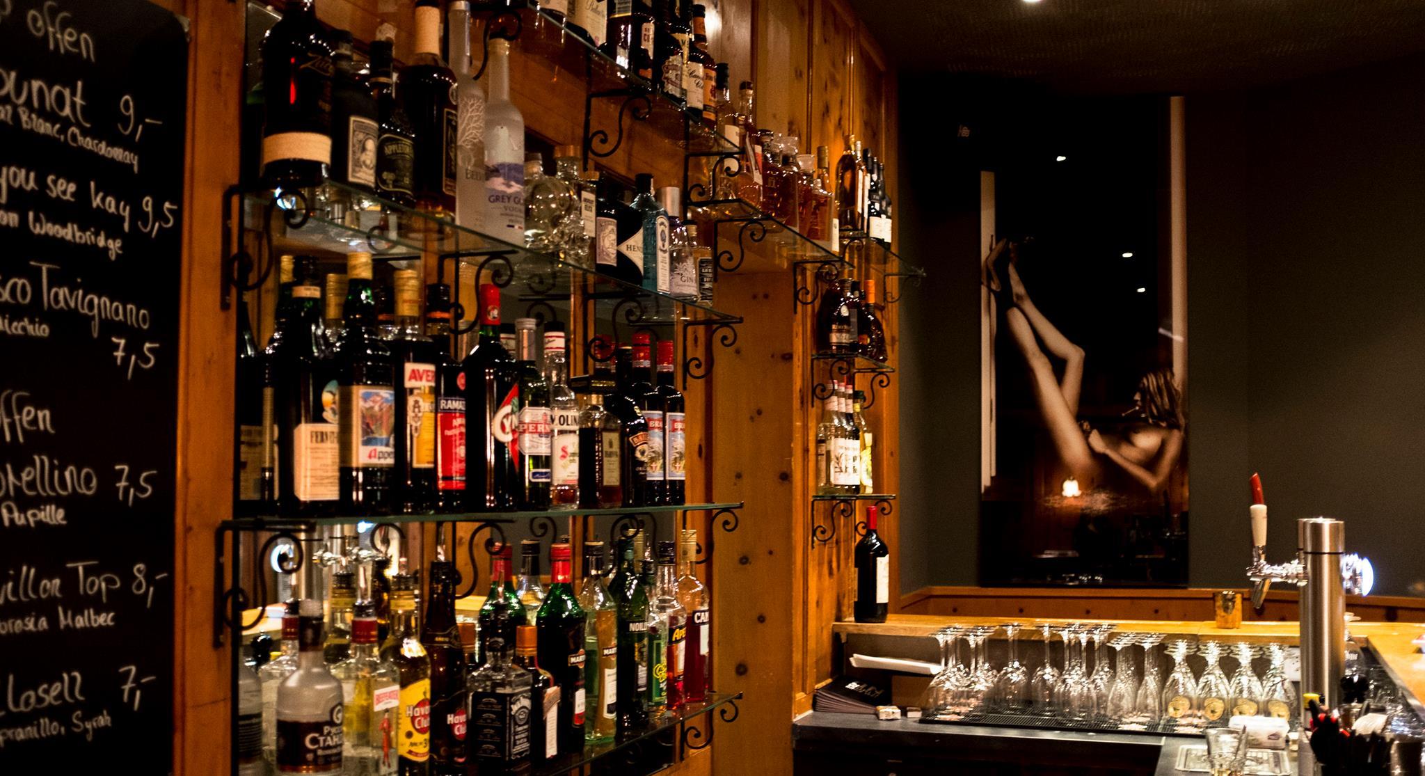 QN Bar St. Moritz Slide 2
