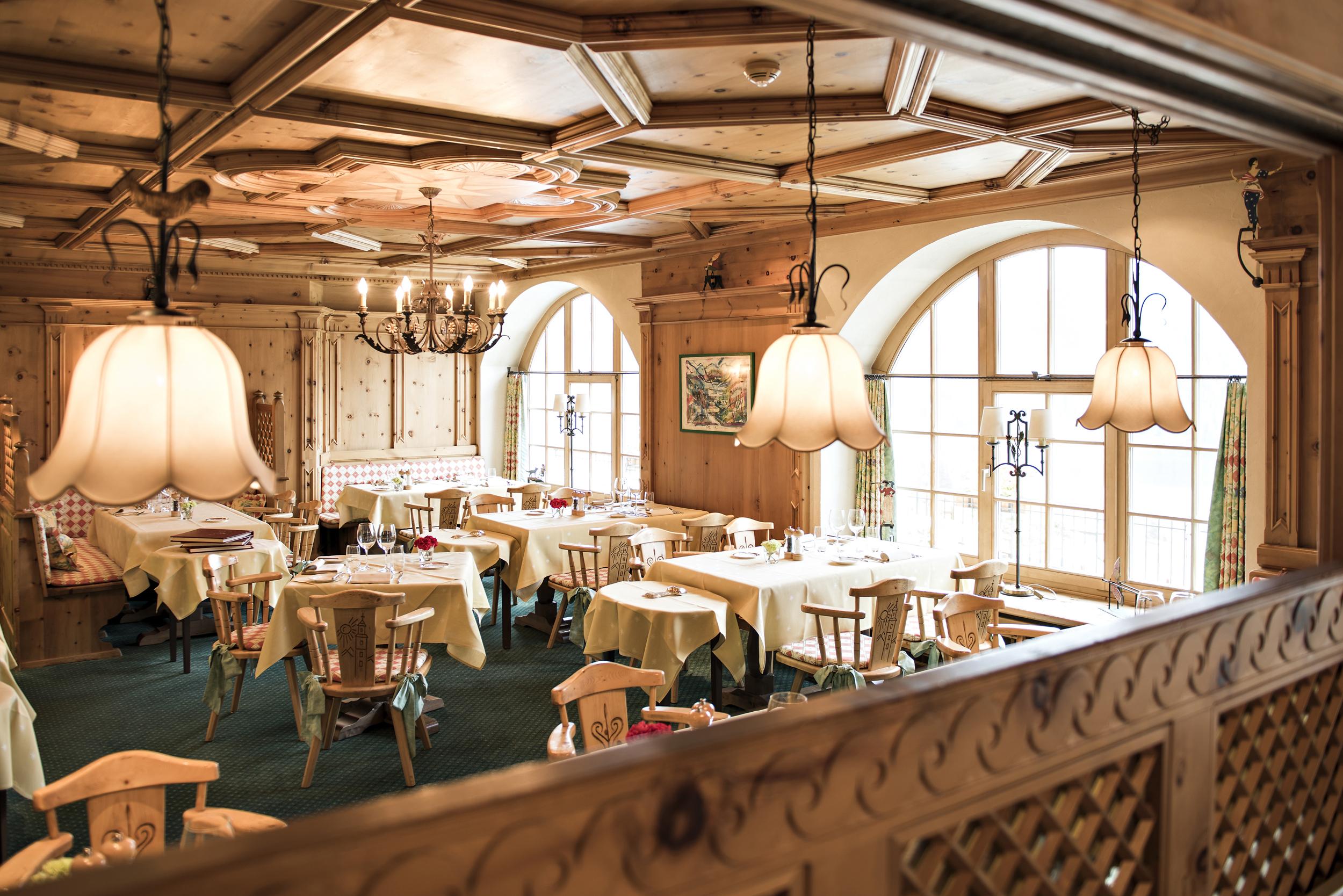 Bob Restaurant Slide 1