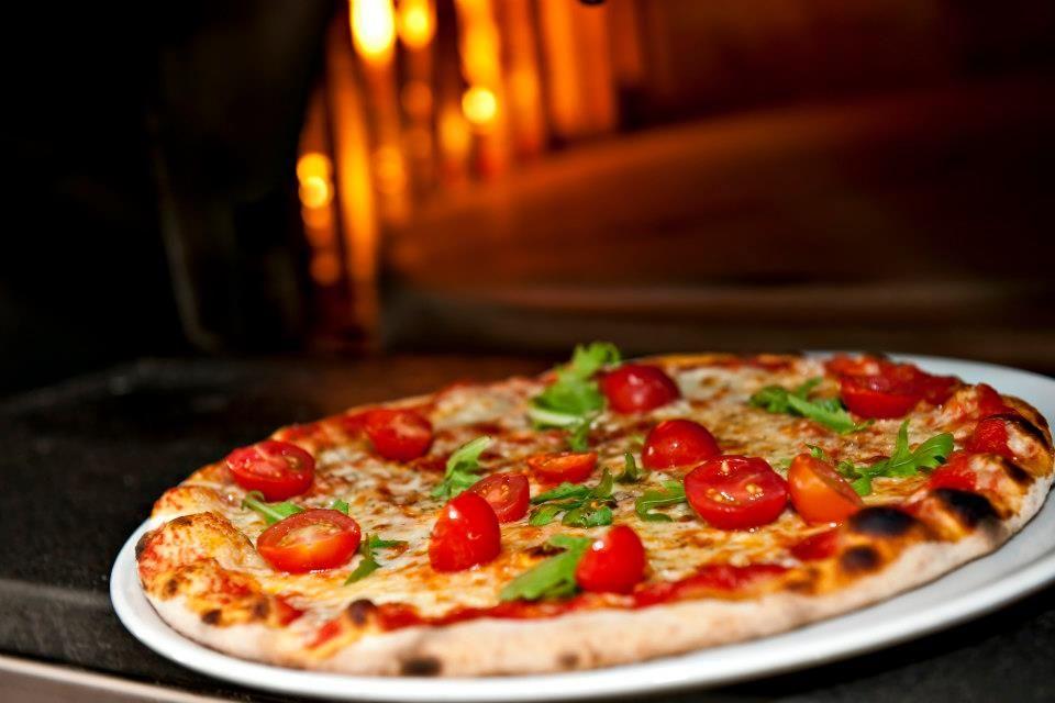 Restaurant Pizzeria Cresta Run Slide 1